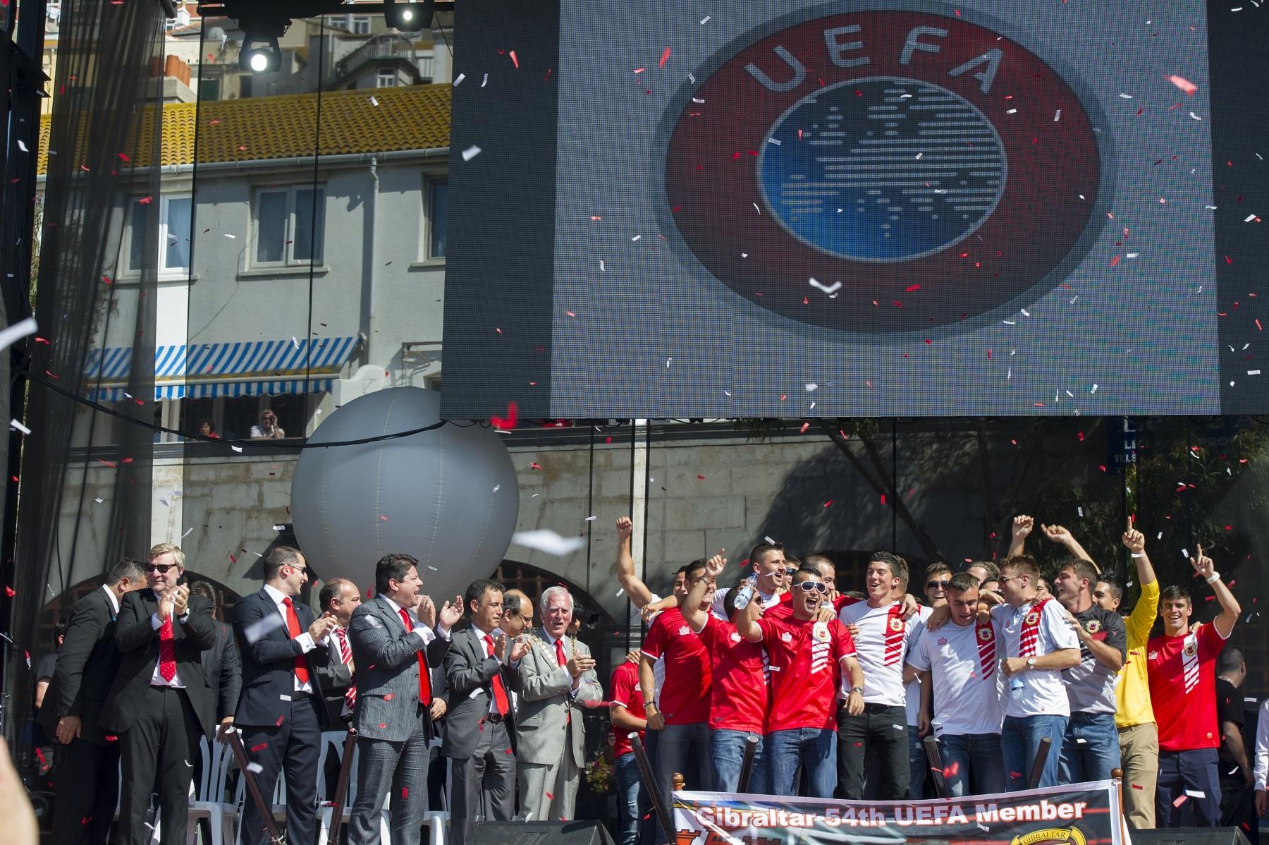 celebracin-entrada-gibraltar-en-la-uefa-13_9222042473_o