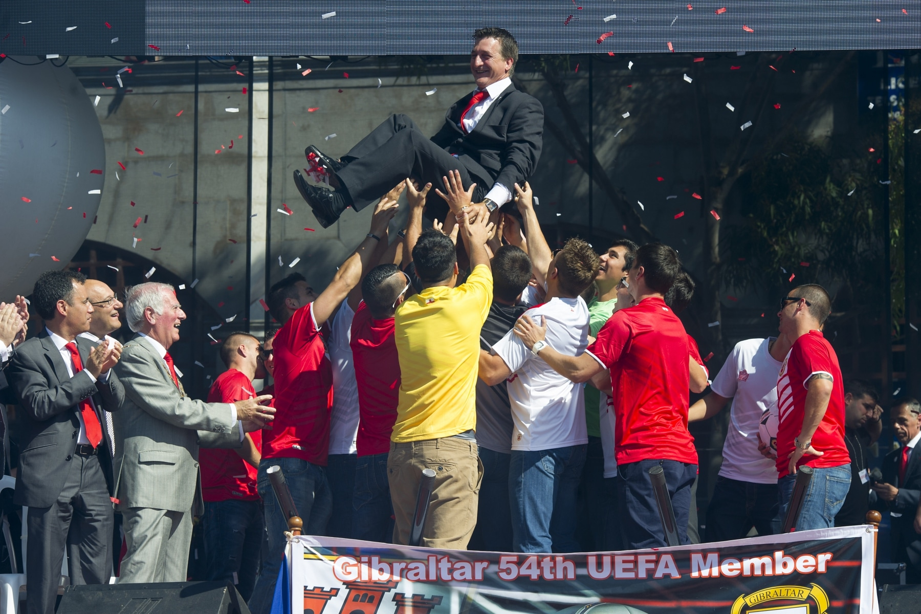 celebracin-entrada-gibraltar-en-la-uefa-14_9222041277_o
