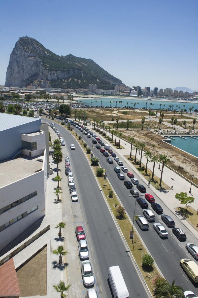 vista-area-de-las-colas-de-acceso-a-gibraltar_9458055407_o