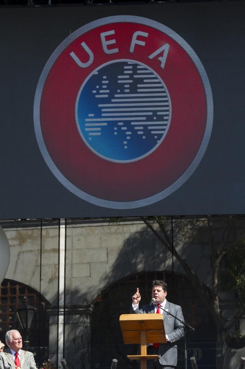 celebracin-entrada-gibraltar-en-la-uefa-08_9222038823_o