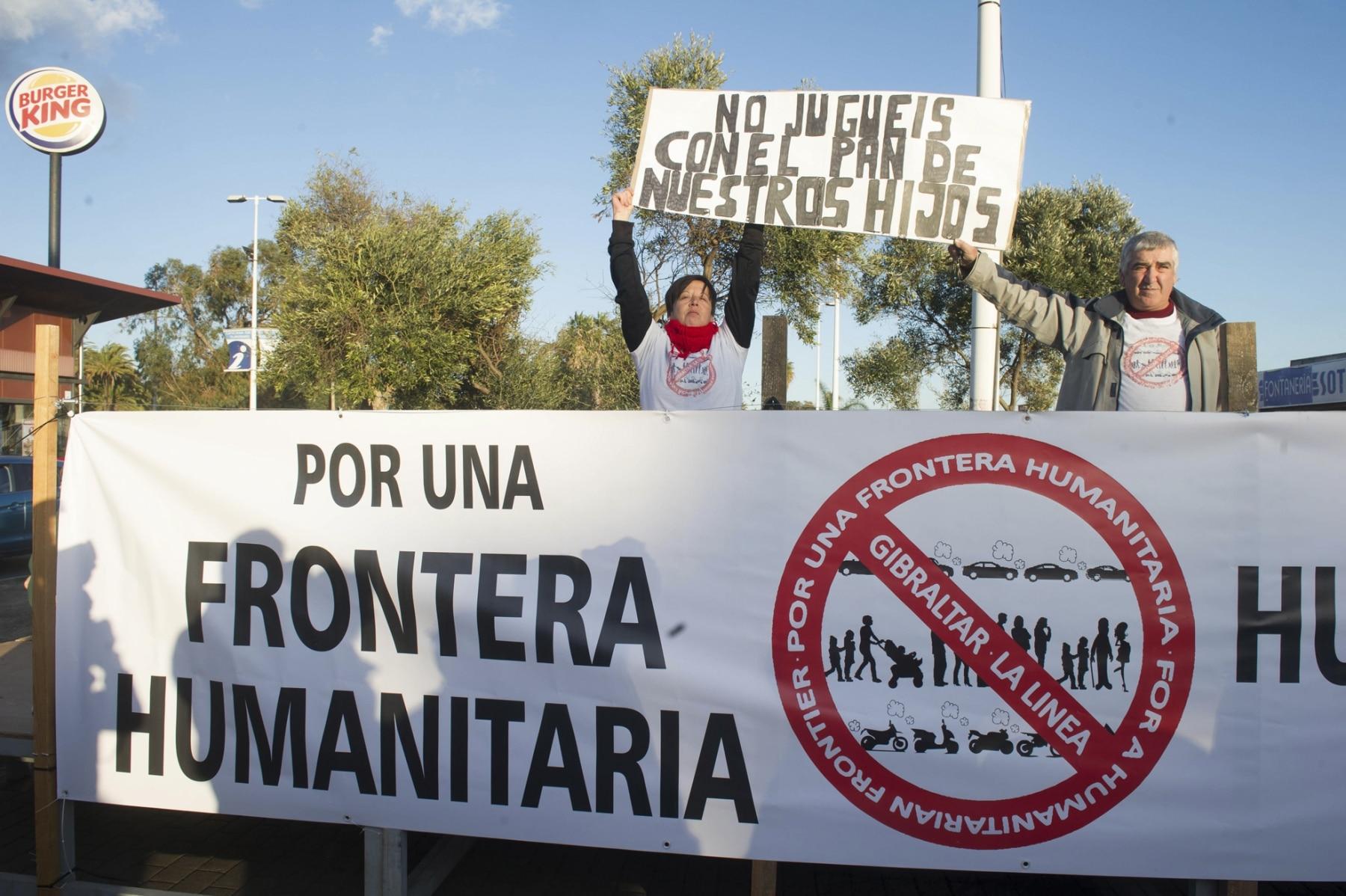 manifestacin-por-una-frontera-humanitaria-04_12360462254_o