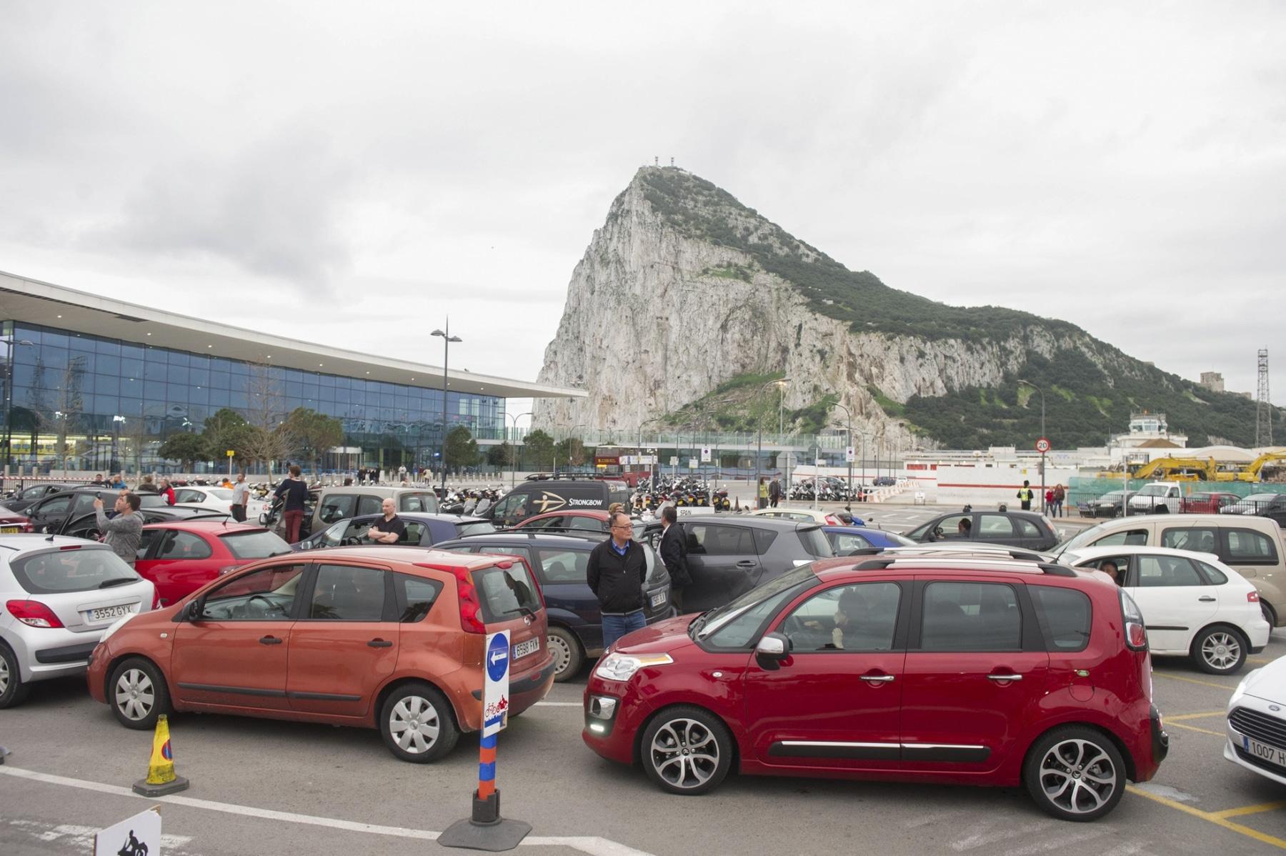 colas-coches-gibraltar-febrero-2014-3_12614703704_o