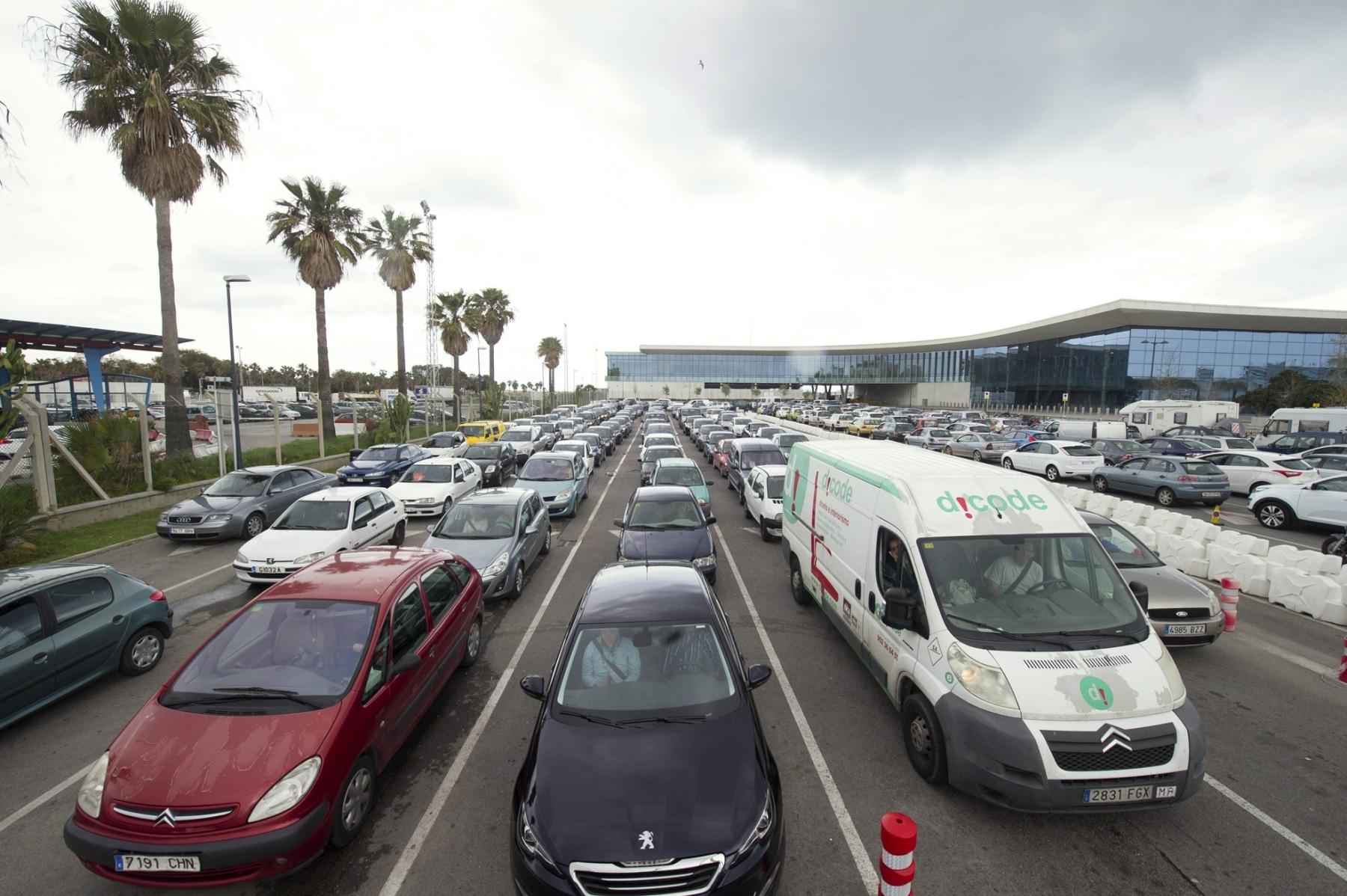 colas-frontera-2-abril-2014-infogibraltar-fotgrafo-marcos-moreno_13598476453_o