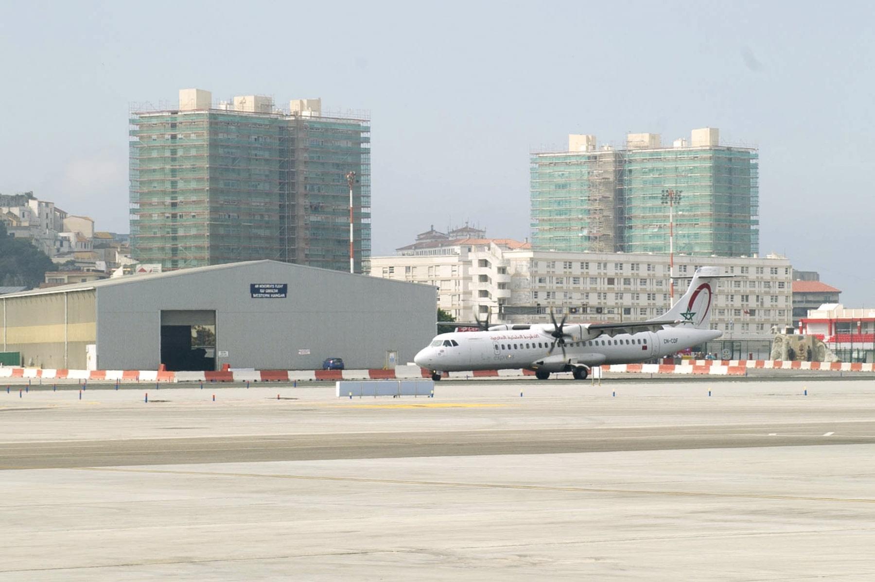 Primer vuelo Gibraltar-Marrakech