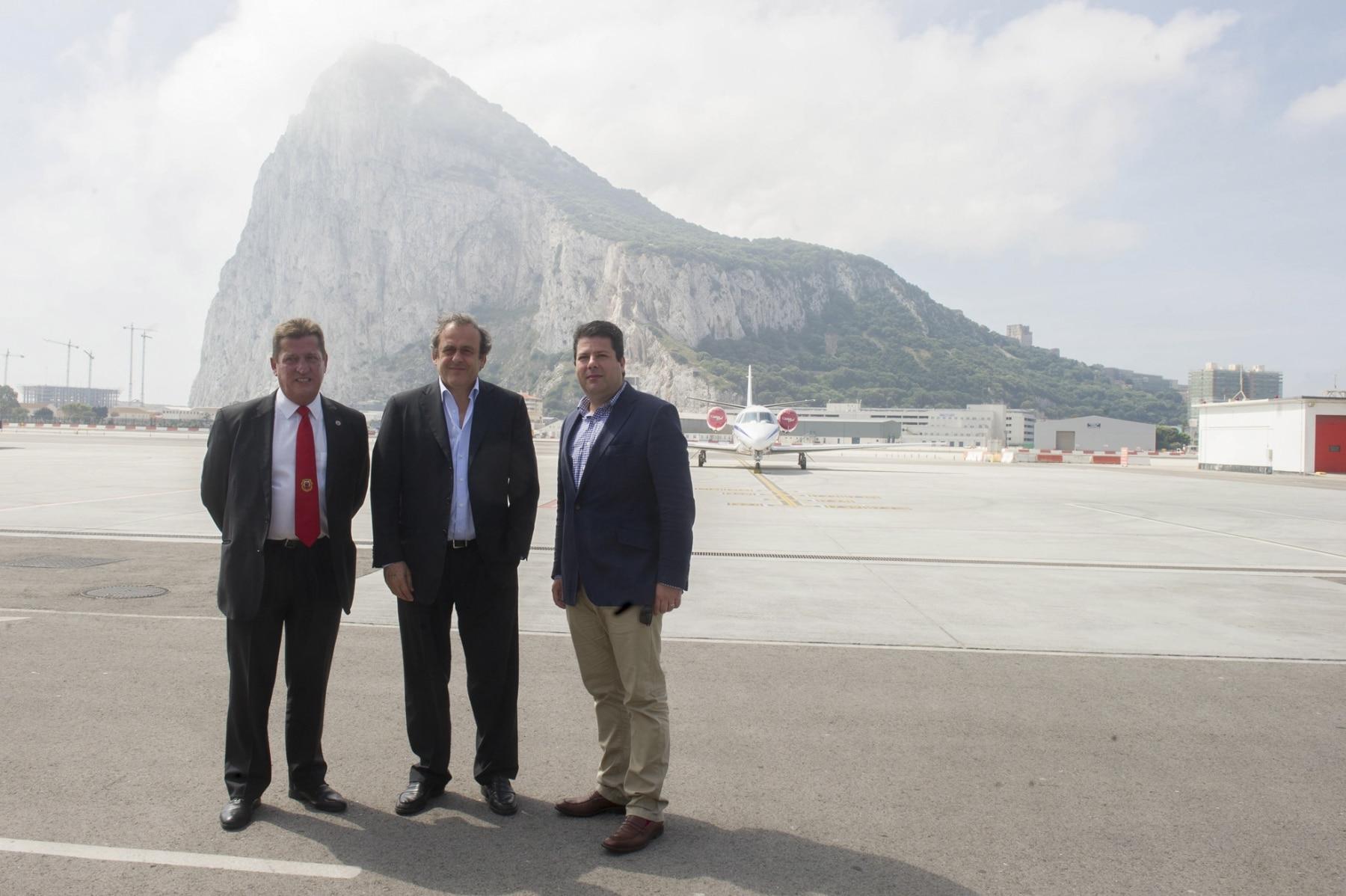 visita-platini-gibraltar-rock-cup-2014-01_14153904724_o