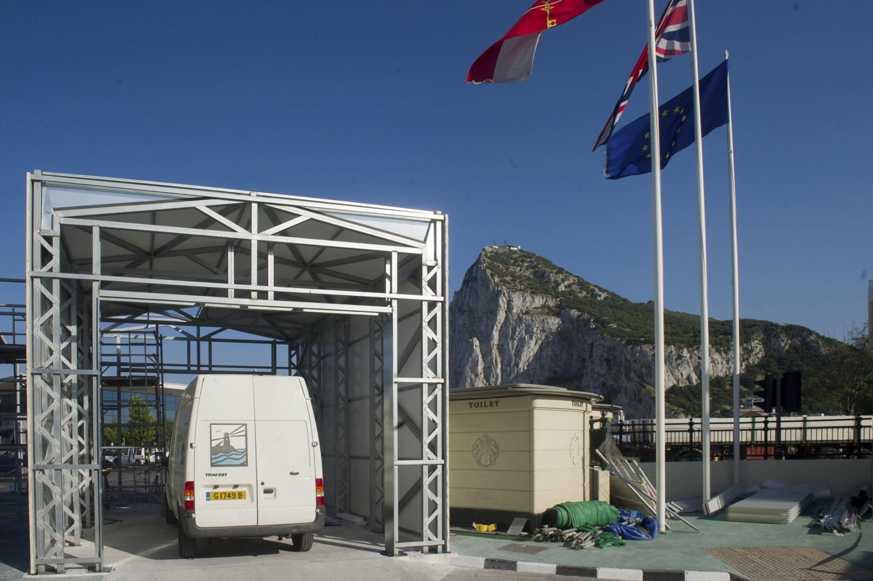 140520 - Obras en la frontera de Gibraltar