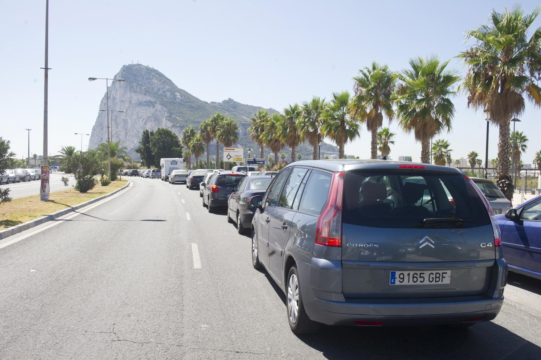 21-agosto-2014-colas-de-entrada-y-salida-de-gibraltar01_14803072069_o