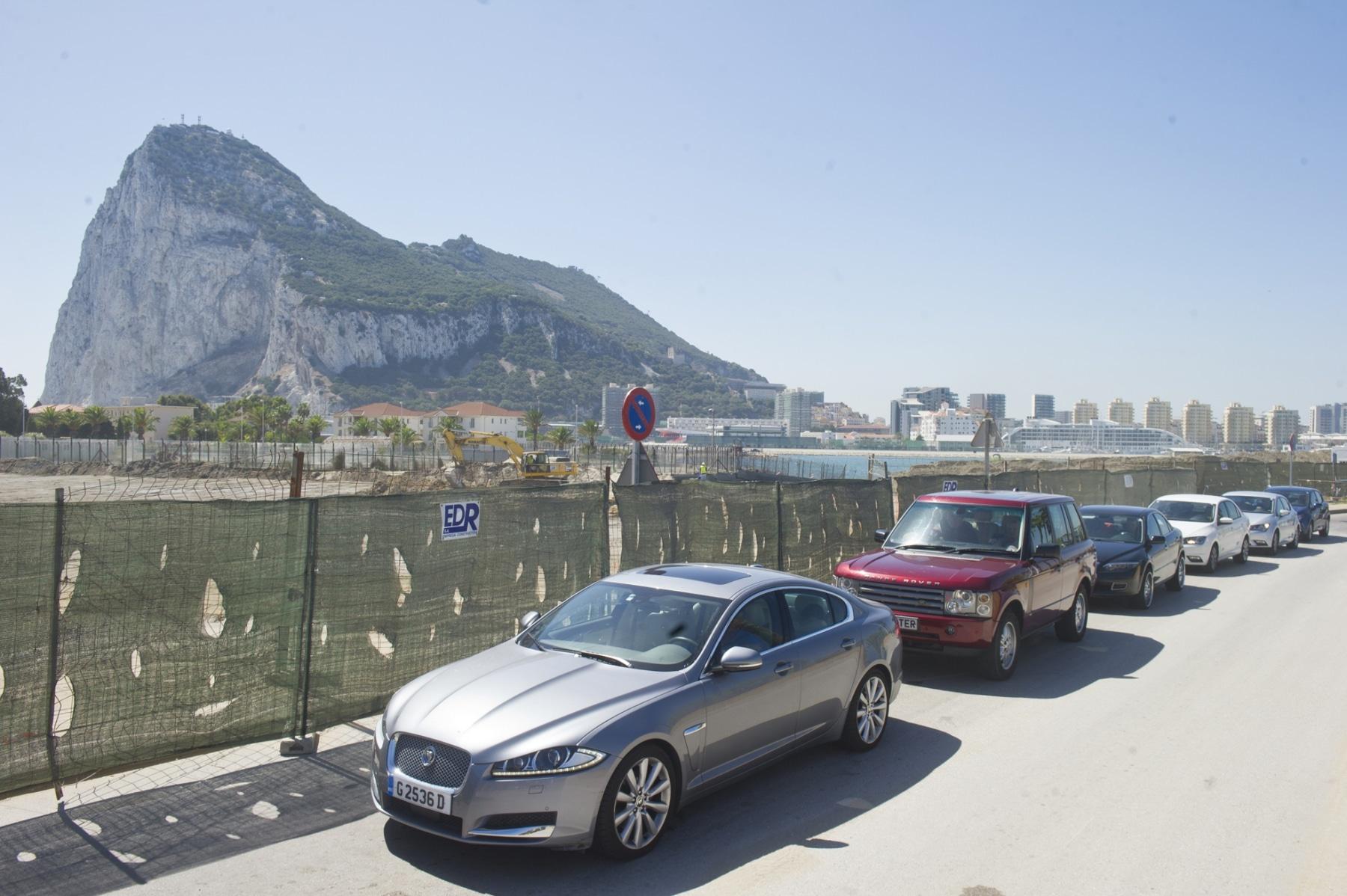 21-agosto-2014-colas-de-entrada-y-salida-de-gibraltar04_14989400172_o