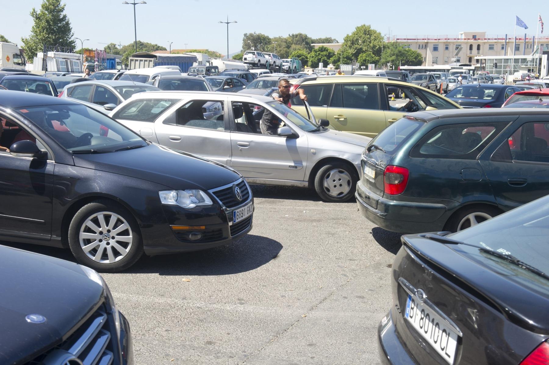 21-agosto-2014-colas-de-entrada-y-salida-de-gibraltar29_14989354572_o