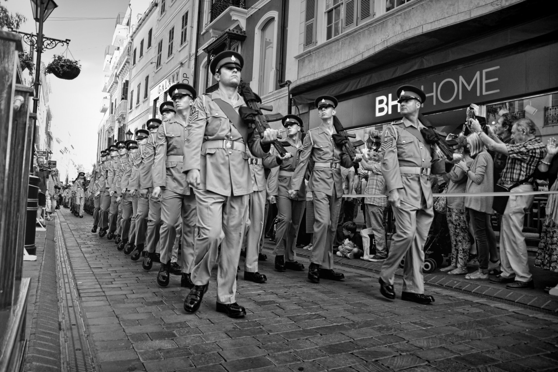 regiment-freedom-of-city-0165-bw_15253259780_o