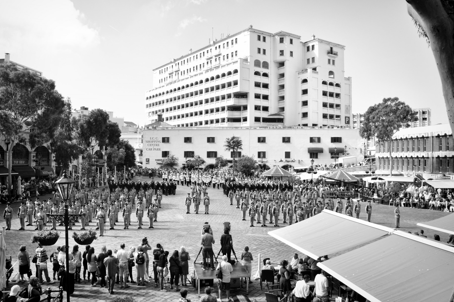 regiment-freedom-of-city-0226-bw_15439621132_o