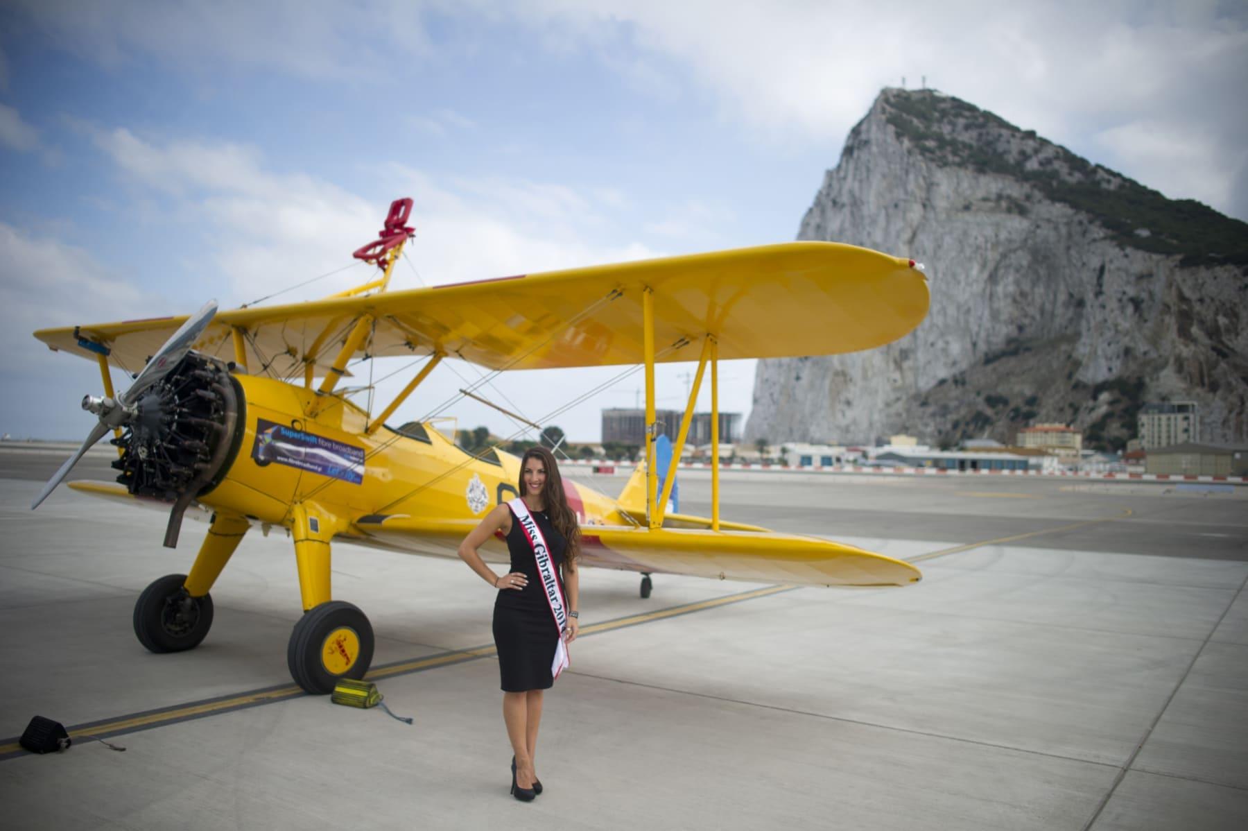 tom-lackey-acrobata-aereo-de-94-anos-en-gibraltar-10102014-05_15493082196_o