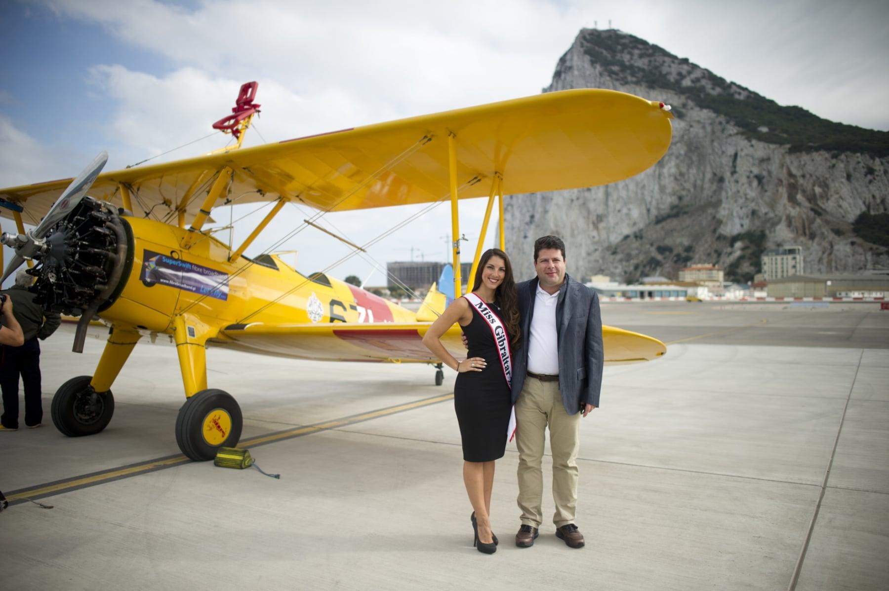 tom-lackey-acrobata-aereo-de-94-anos-en-gibraltar-10102014-07_15516256045_o