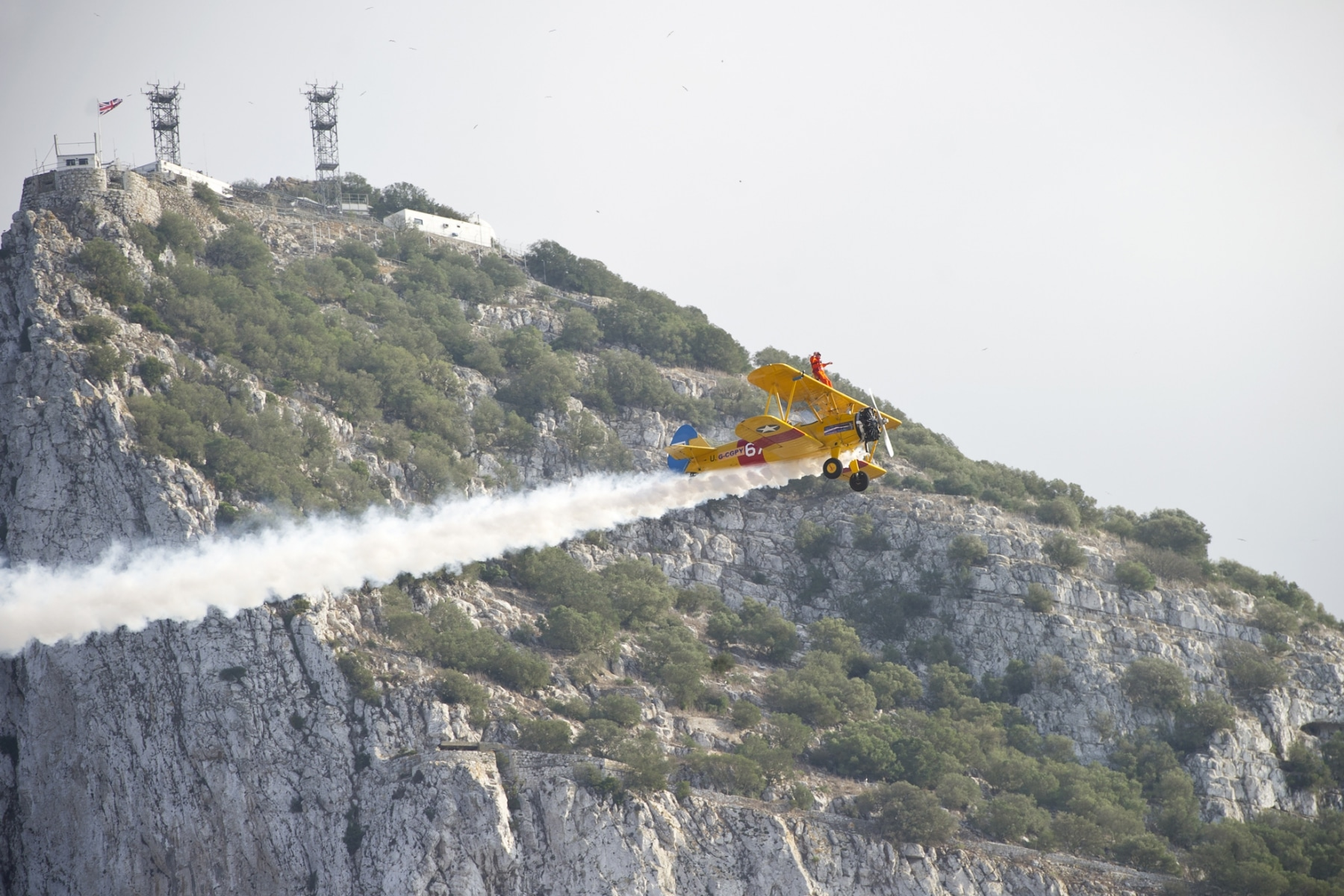 tom-lackey-acrobata-aereo-de-94-anos-en-gibraltar-10102014-17_15513090801_o