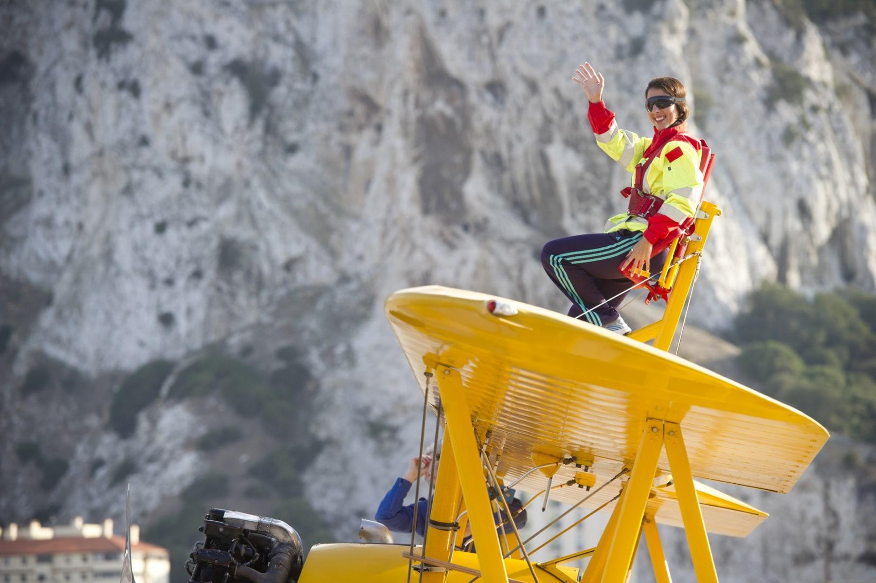 tom-lackey-acrobata-aereo-de-94-anos-en-gibraltar-10102014-25_15515851262_o