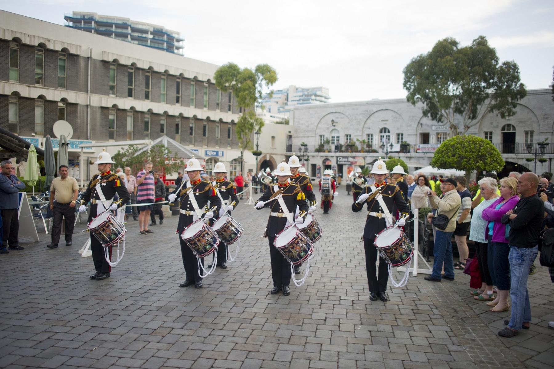 henry-cavill-en-la-carrera-del-350-aniversario-de-los-royal-marines-en-gibraltar-25-octubre-201411_15623758395_o