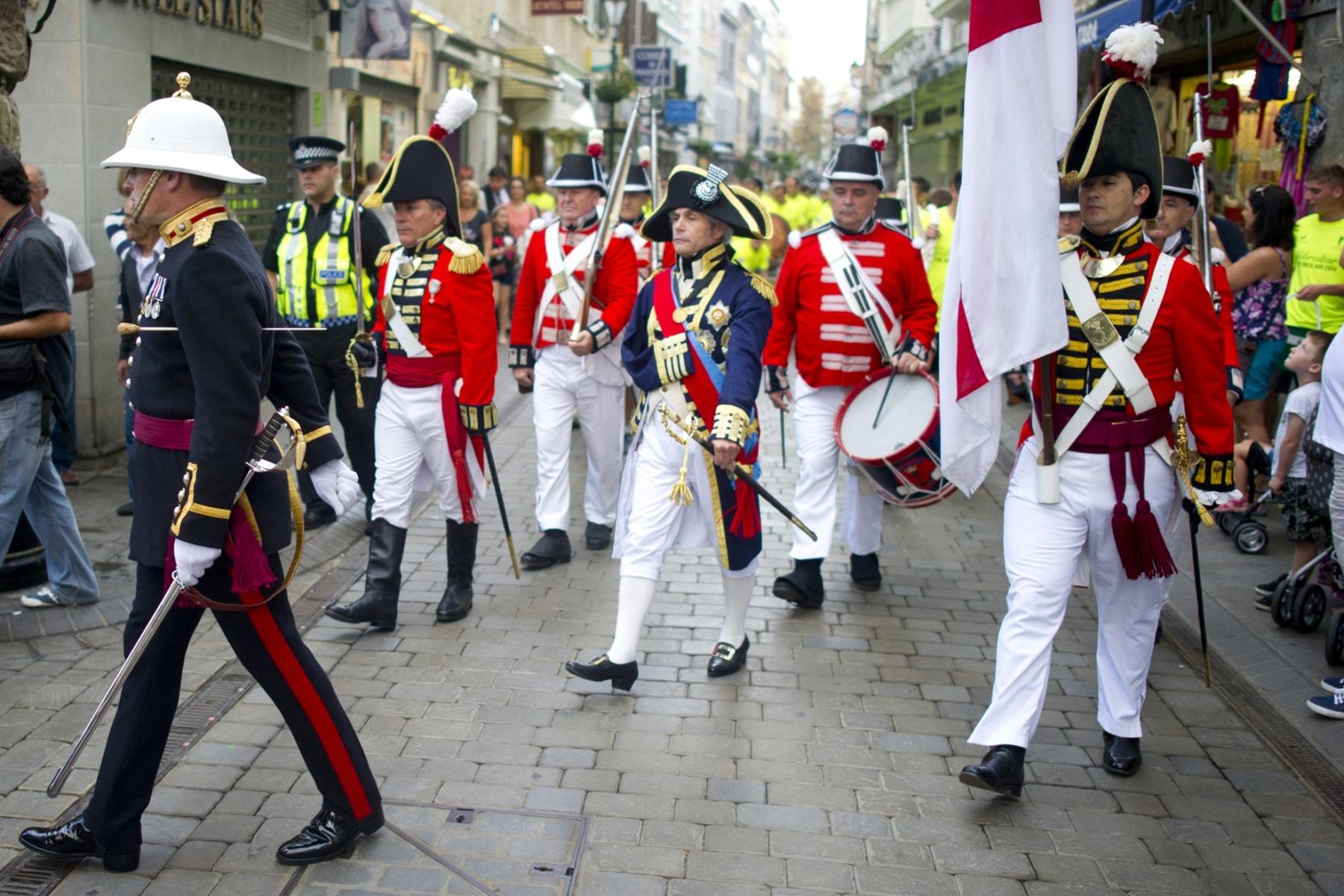 henry-cavill-en-la-carrera-del-350-aniversario-de-los-royal-marines-en-gibraltar-25-octubre-201416_15437116099_o