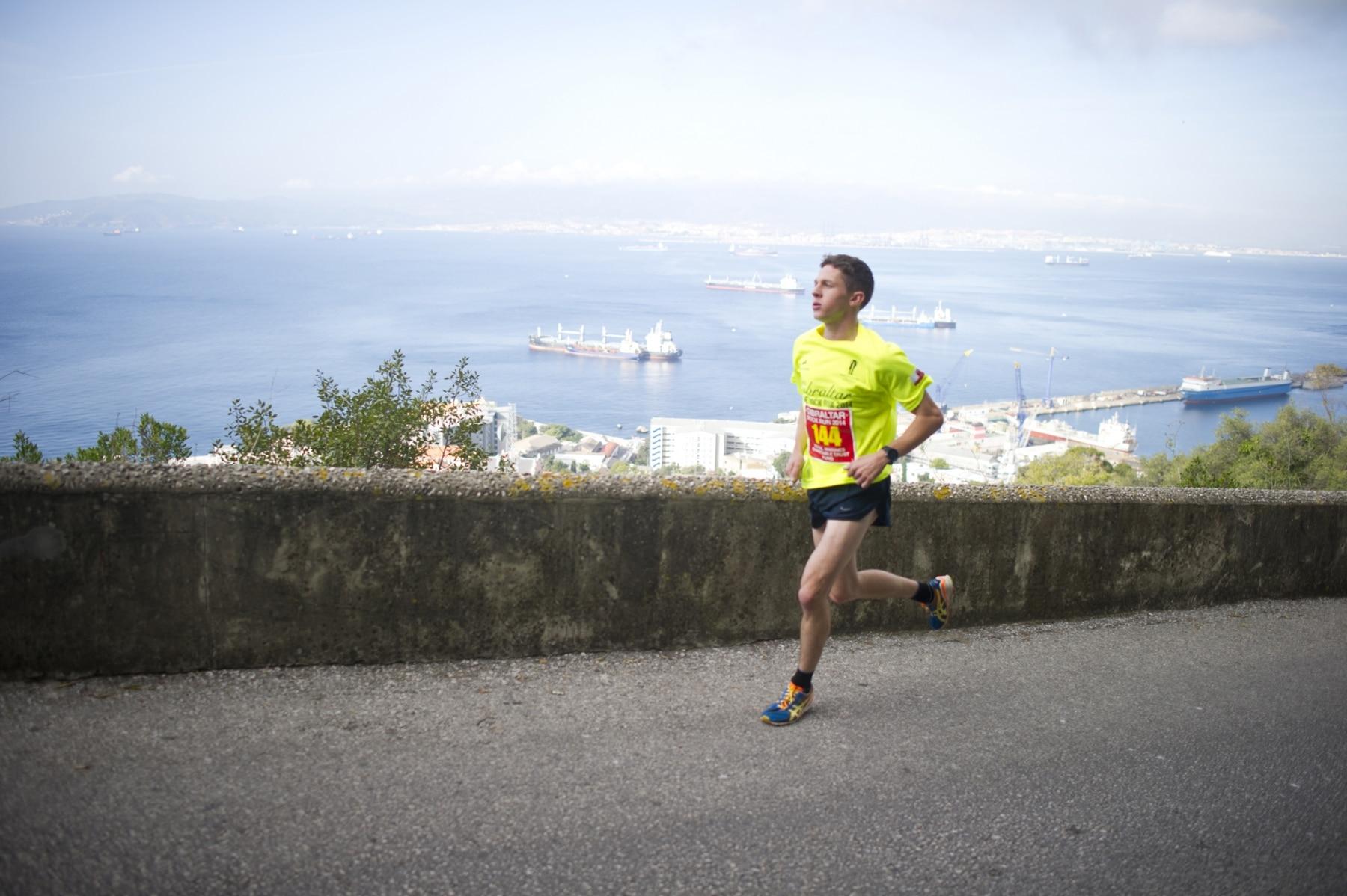 henry-cavill-en-la-carrera-del-350-aniversario-de-los-royal-marines-en-gibraltar-25-octubre-201423_15624582702_o