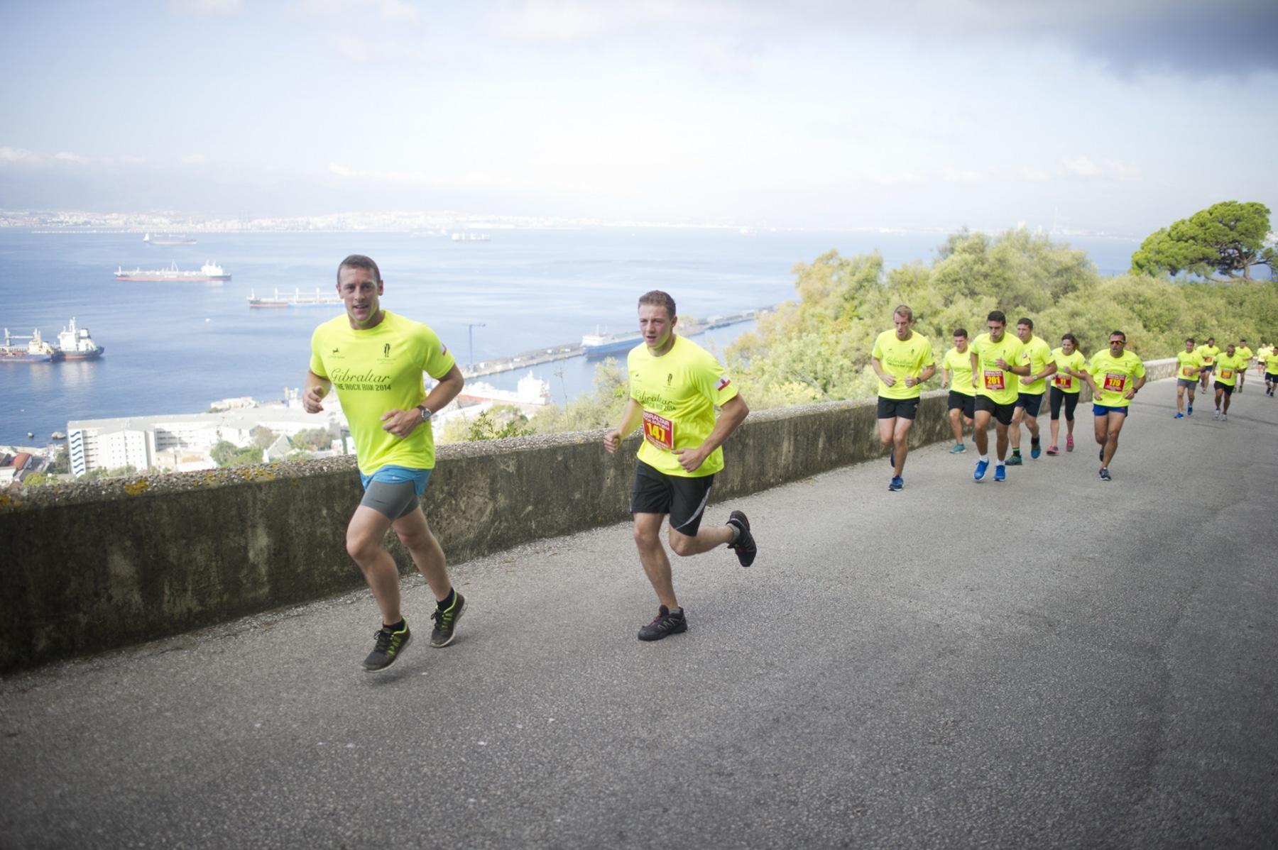 henry-cavill-en-la-carrera-del-350-aniversario-de-los-royal-marines-en-gibraltar-25-octubre-201424_15624581272_o
