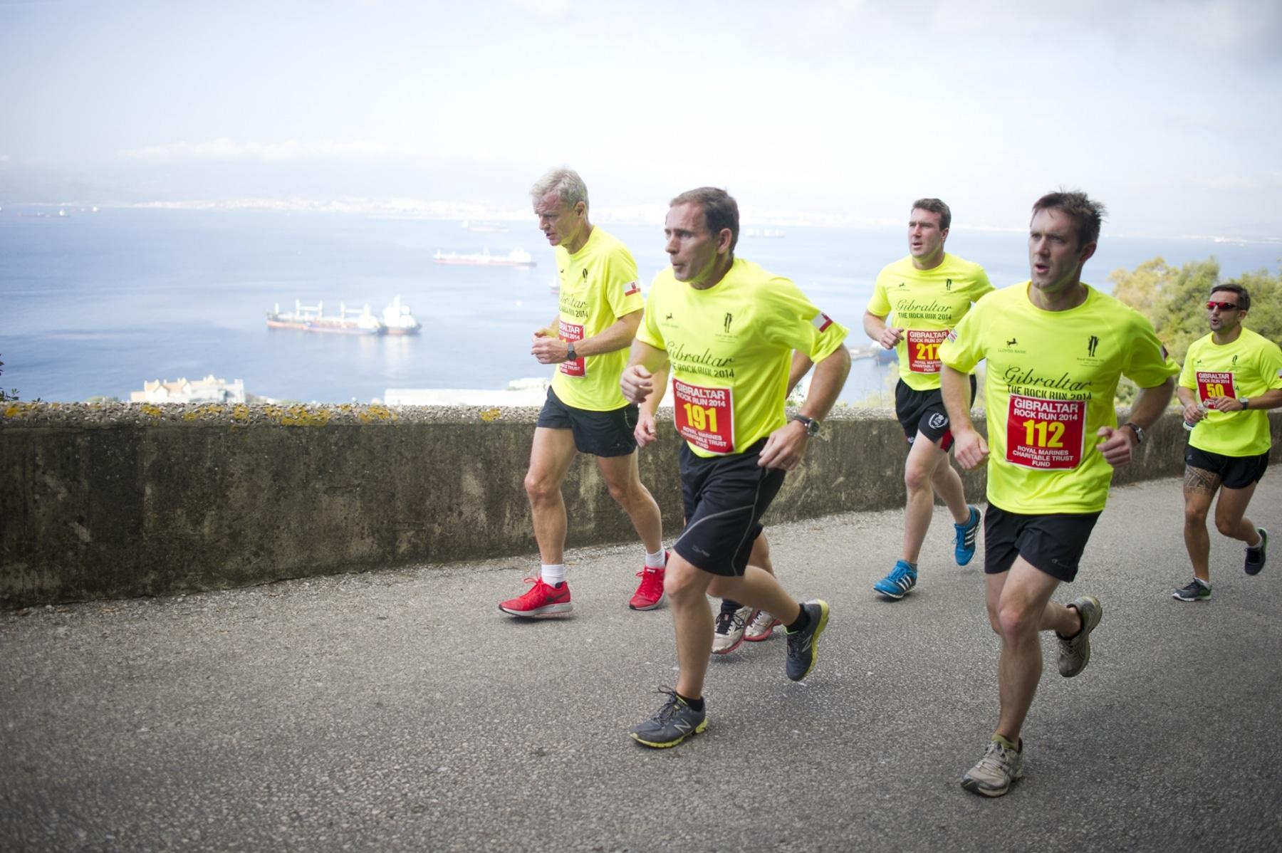 henry-cavill-en-la-carrera-del-350-aniversario-de-los-royal-marines-en-gibraltar-25-octubre-201425_15600044446_o