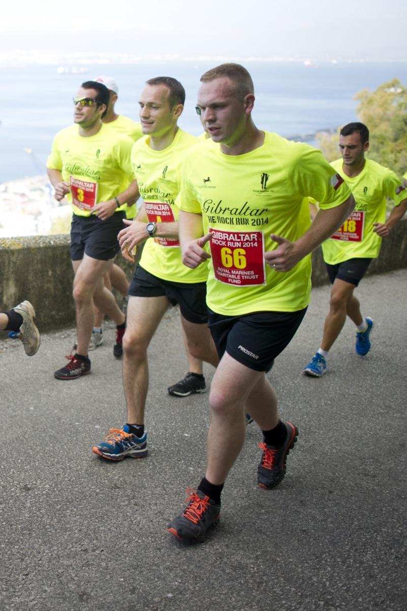 henry-cavill-en-la-carrera-del-350-aniversario-de-los-royal-marines-en-gibraltar-25-octubre-201428_15437731807_o
