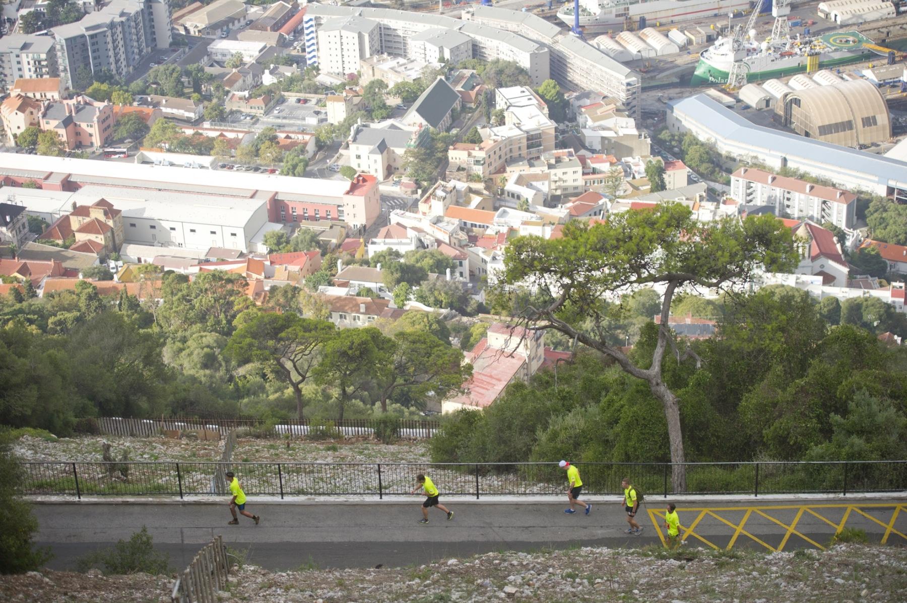 henry-cavill-en-la-carrera-del-350-aniversario-de-los-royal-marines-en-gibraltar-25-octubre-201434_15438130570_o