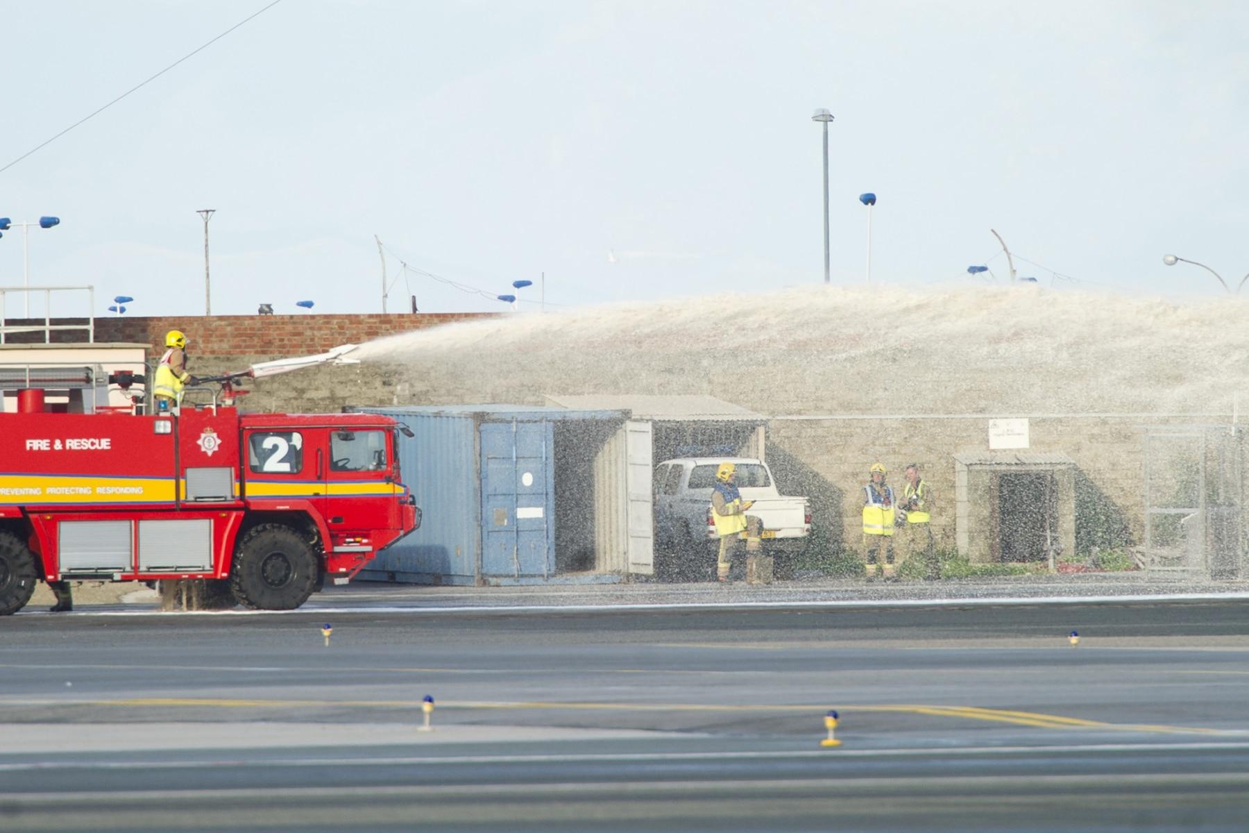 simulacro-accidente-aereo-en-gibraltar-03122014-08_15757896669_o