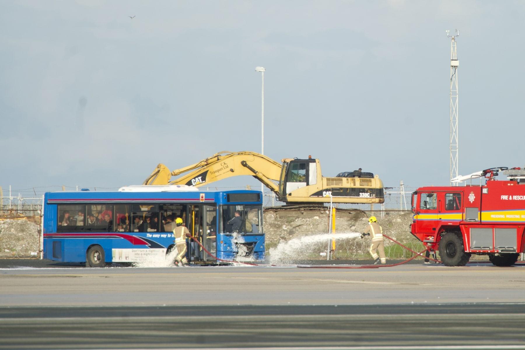 simulacro-accidente-aereo-en-gibraltar-03122014-13_15757892179_o