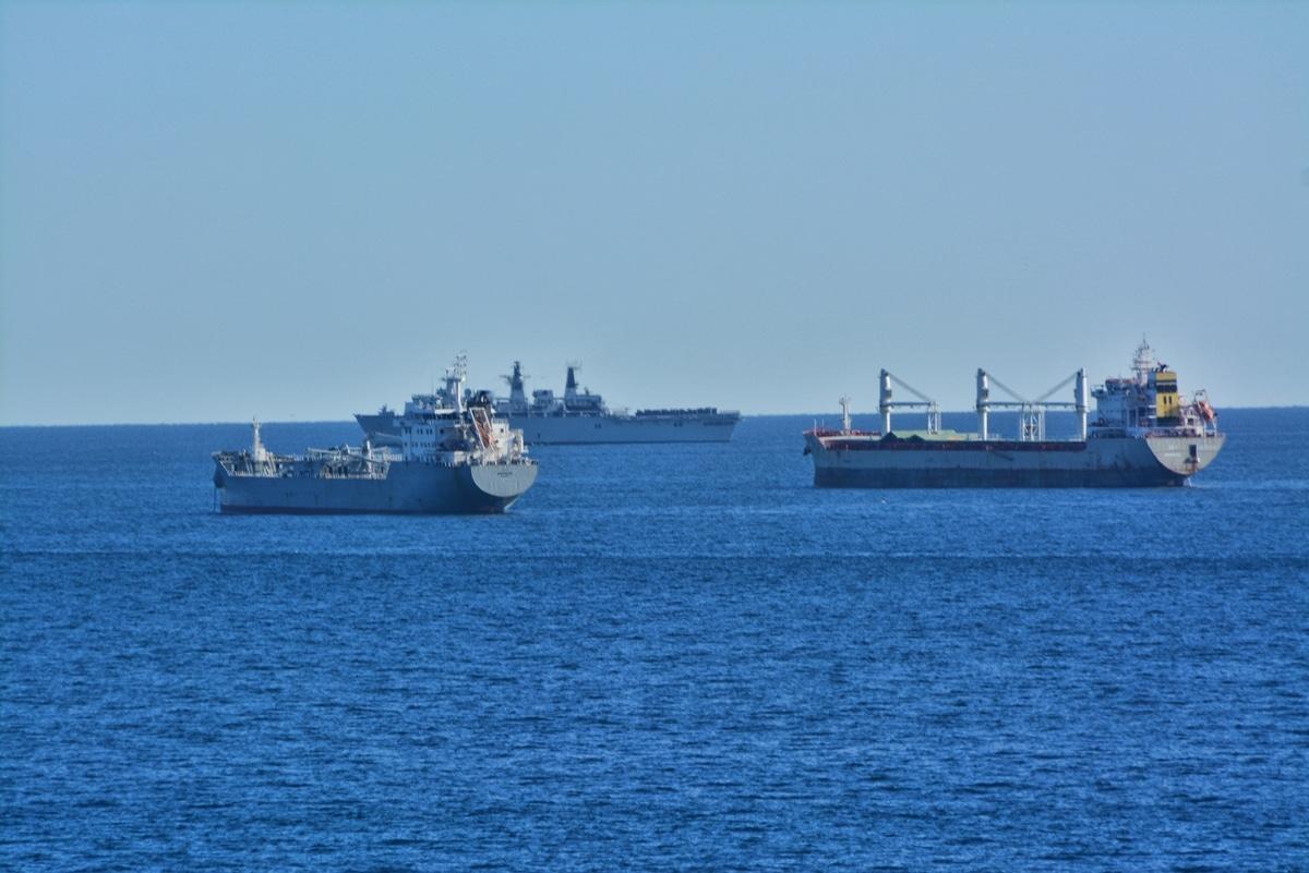 Gibraltar - HMS Bulwark arrives for Amphibious Landing Exercise
