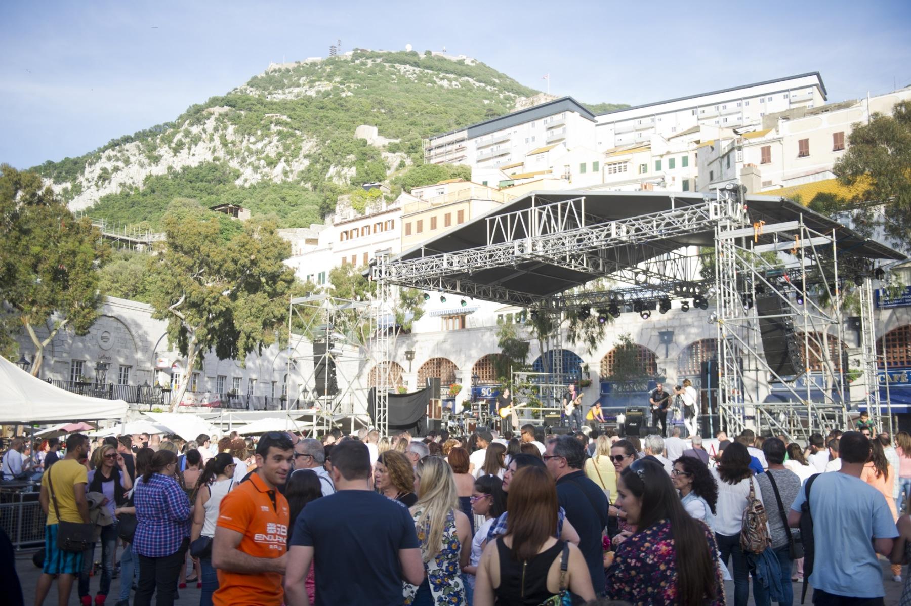 fiesta-del-1-de-mayo-en-gibraltar-01052015-01_16744244593_o