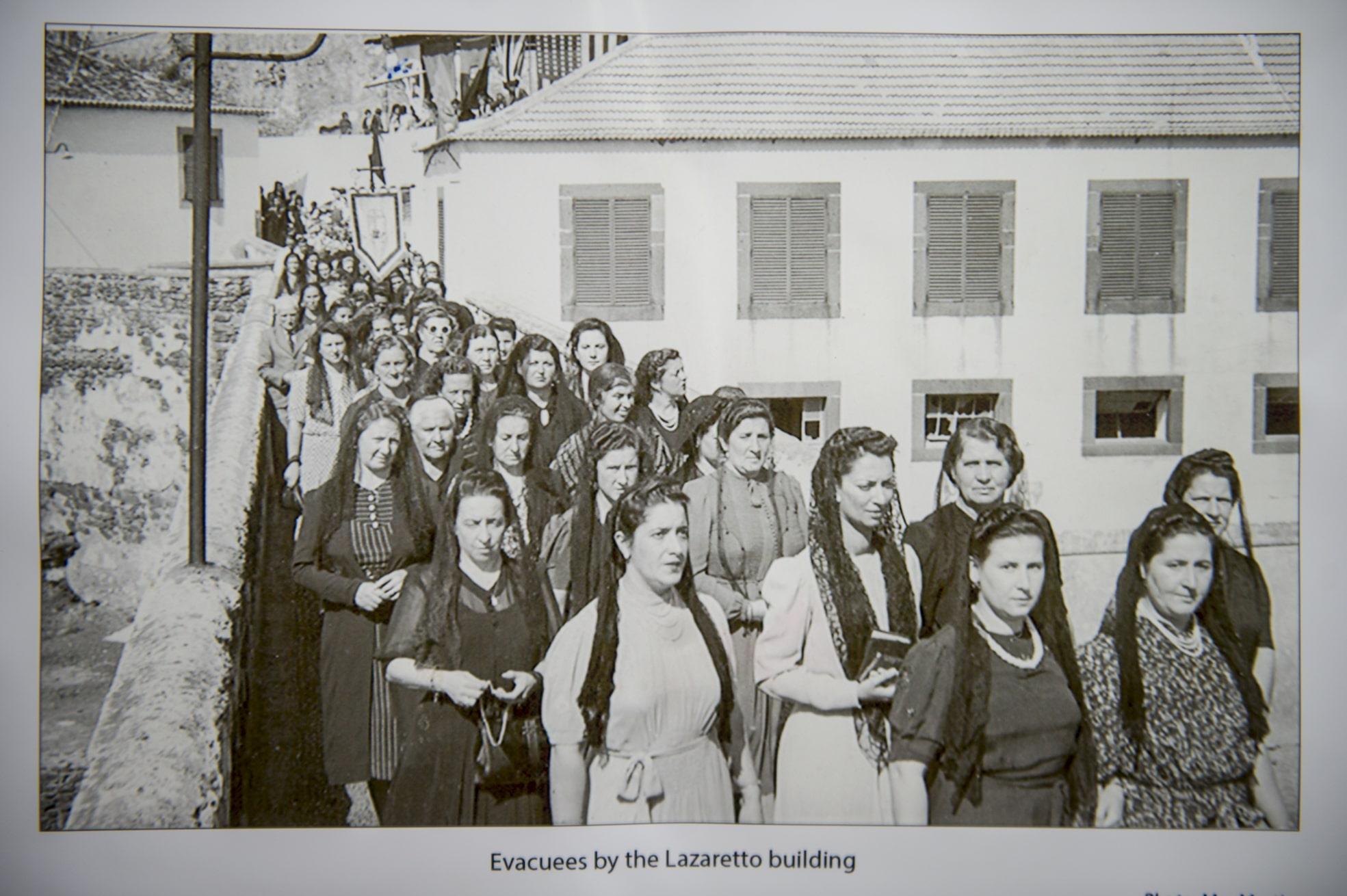 75-years-gibraltar-honouring-generation-08_16940617413_o