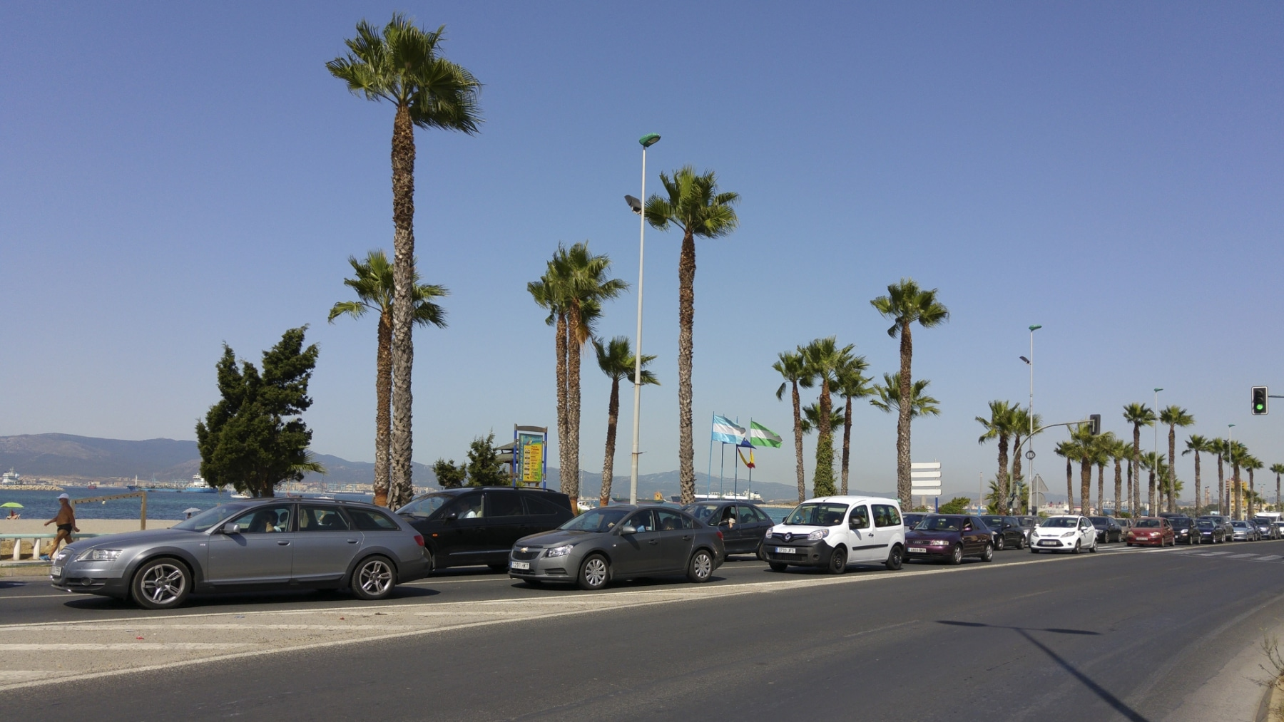 cola-entrada-a-gibraltar-28072015-01_19467065984_o