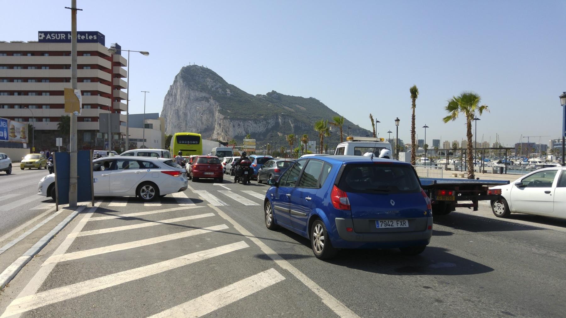 cola-entrada-a-gibraltar-28072015-09_19901590188_o
