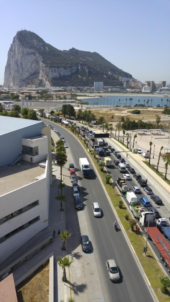 cola-entrada-a-gibraltar-28072015-17_19903012509_o