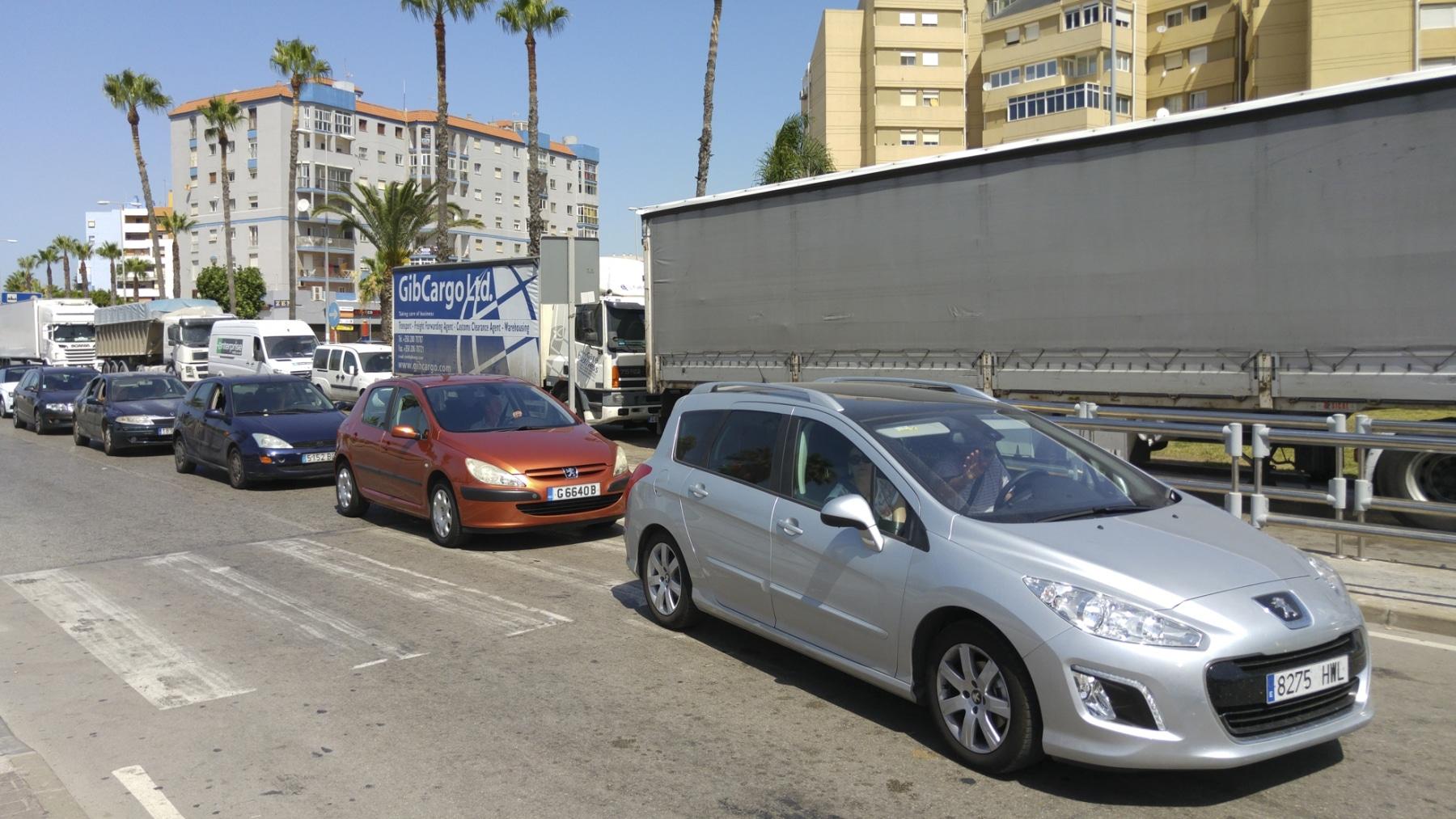 cola-entrada-a-gibraltar-28072015-23_19901700590_o