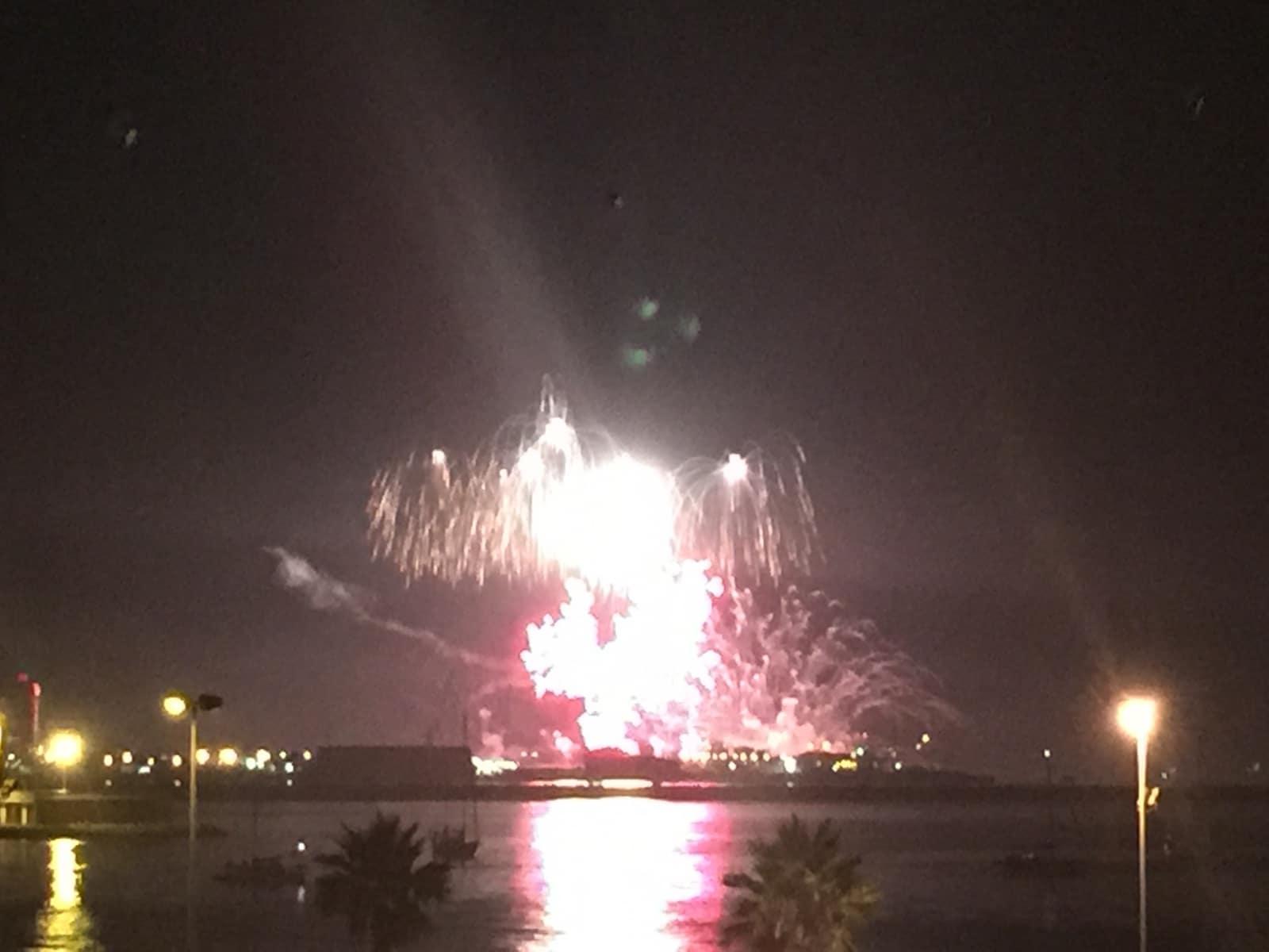 fuegos-artificiales-como-colofn-del-da-nacional-de-gibraltar-2015_22718960186_o