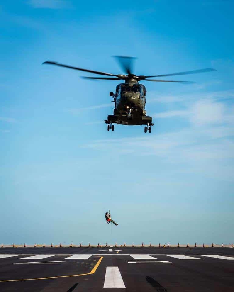 15-de-enero-2016-simulacro-de-rescate-con-helicpteros-merlin-mk3-en-gibraltar-01_24372212306_o
