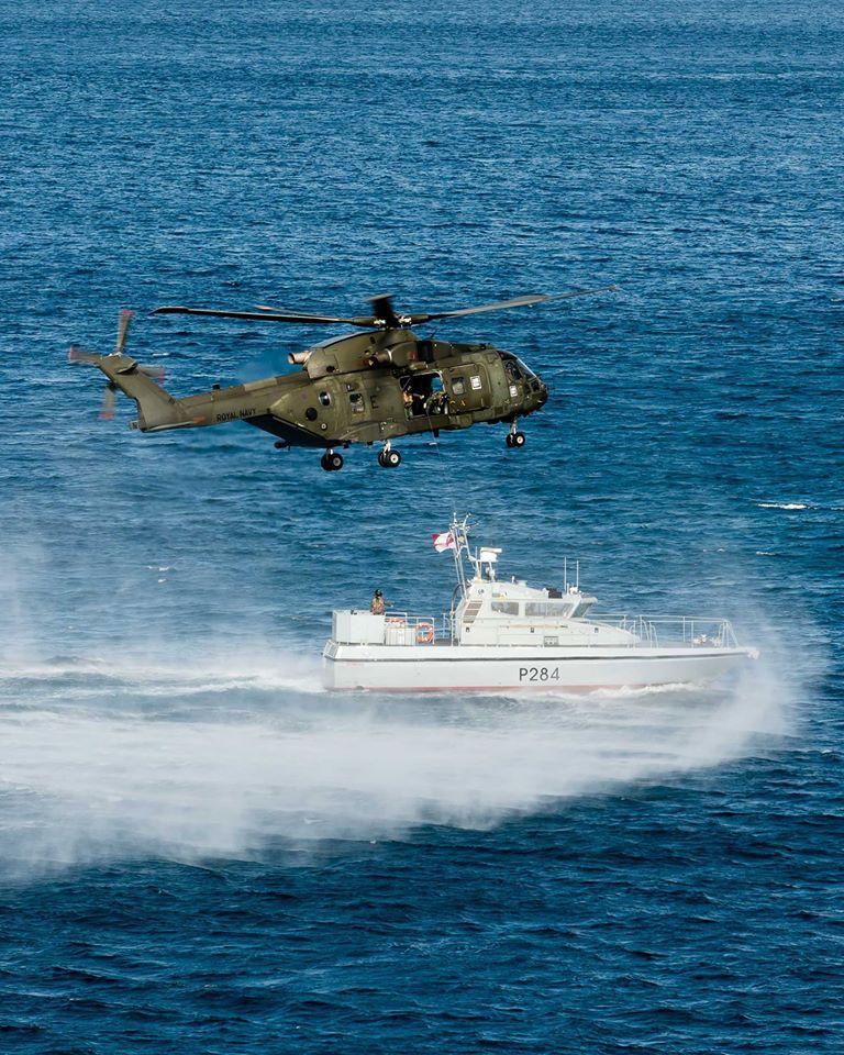 15-de-enero-2016-simulacro-de-rescate-con-helicpteros-merlin-mk3-en-gibraltar-05_24315970931_o