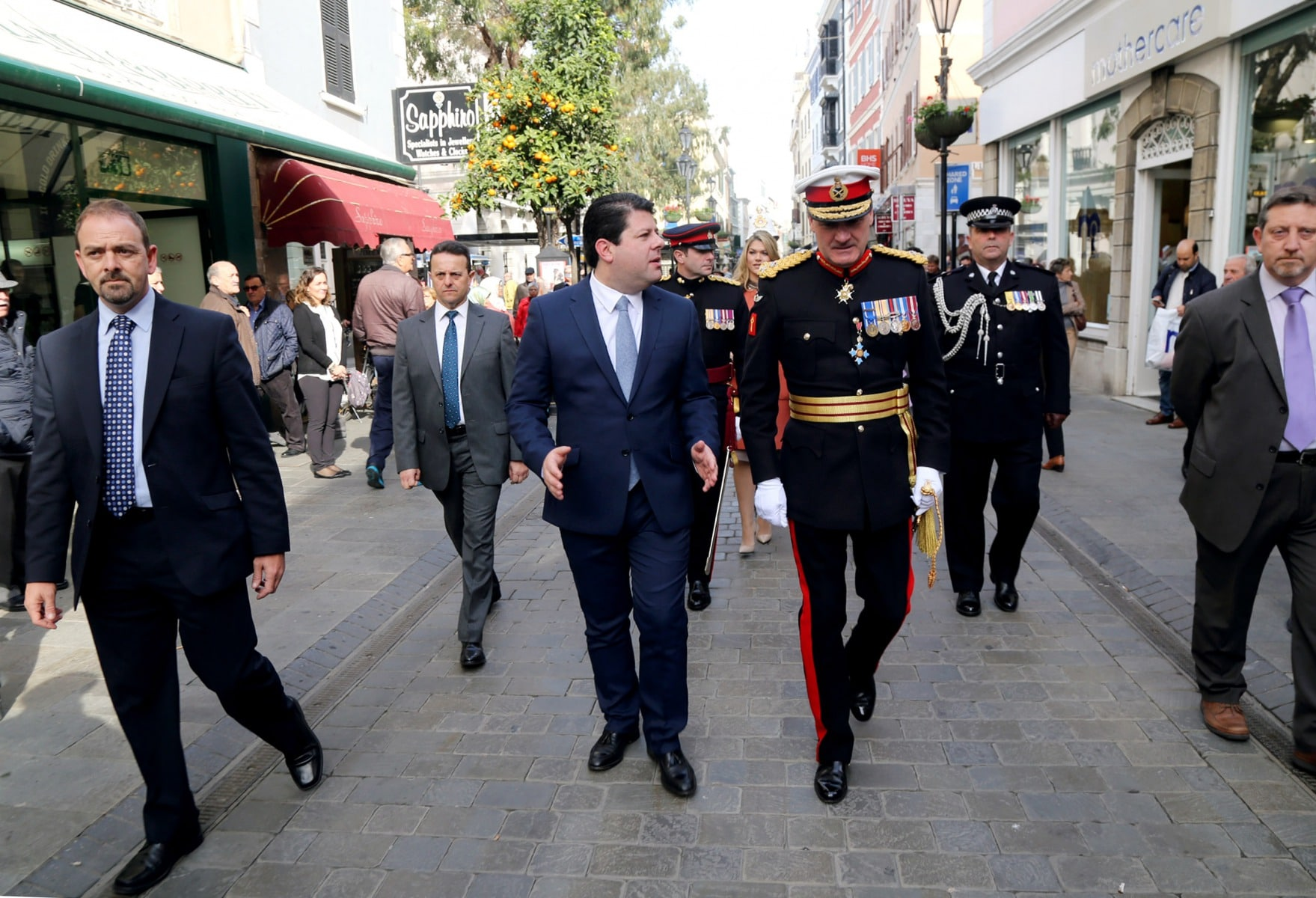 gobernador-de-gibraltar-edward-davis_24201447660_o