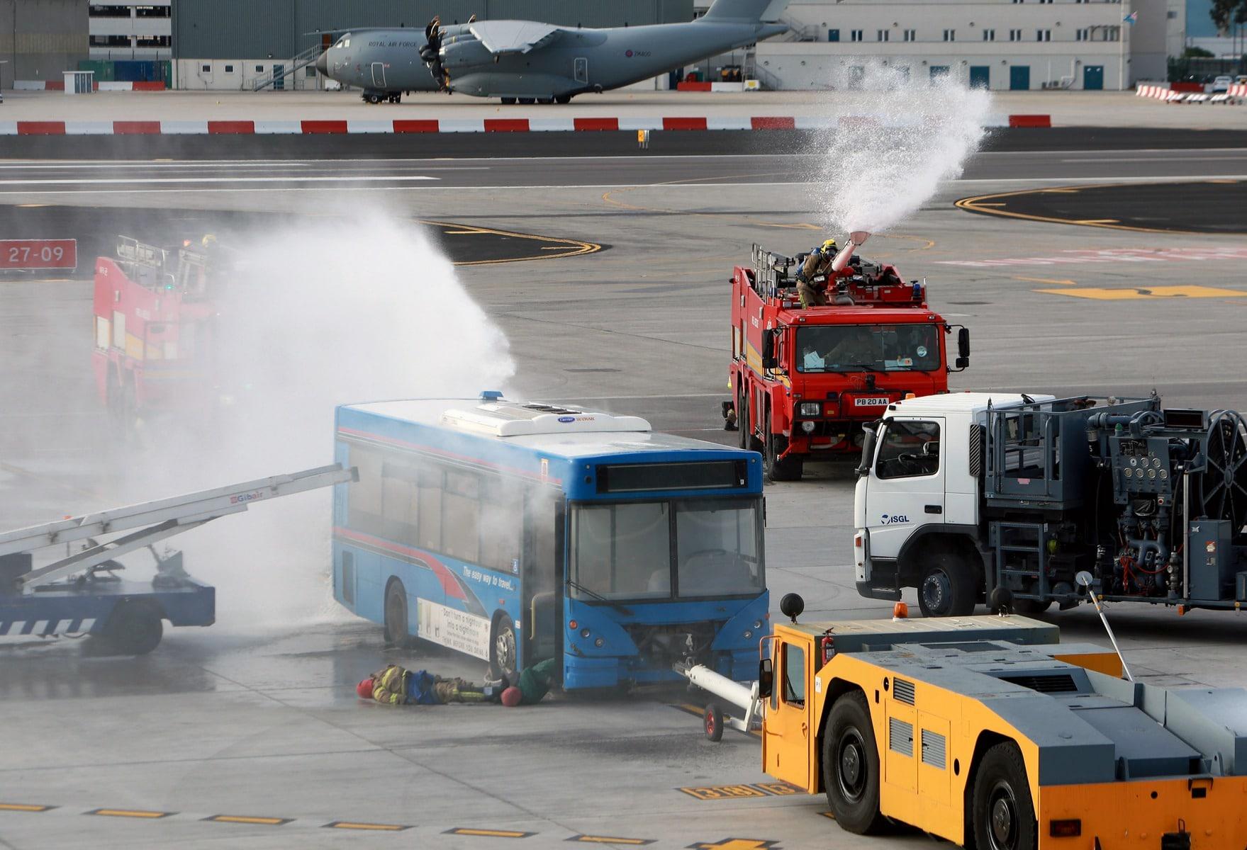 09-feb-2016-simulacro-de-incidente-en-el-aeropuerto-de-gibraltar_24286855844_o