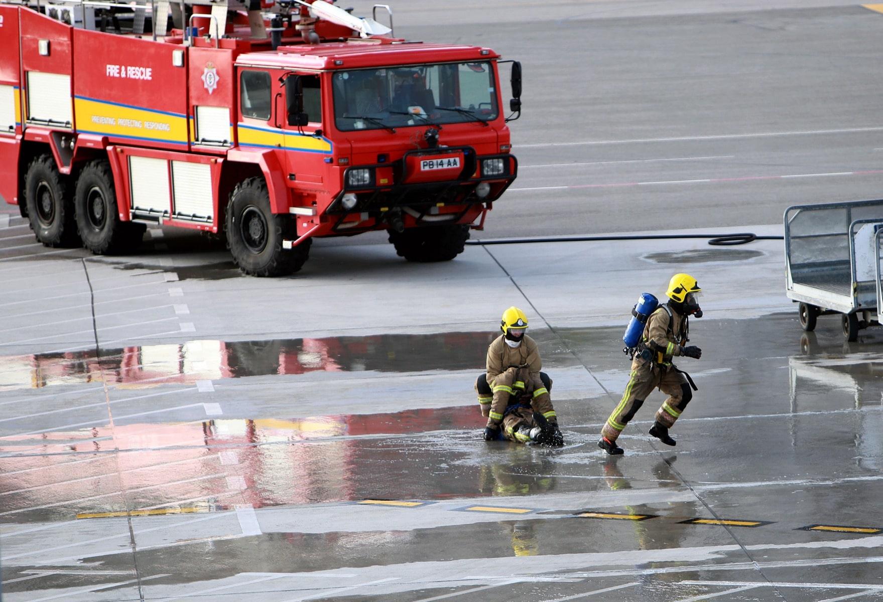 09-feb-2016-simulacro-de-incidente-en-el-aeropuerto-de-gibraltar_24288112613_o