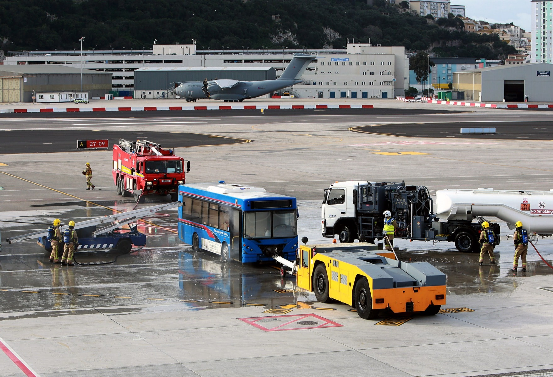 09-feb-2016-simulacro-de-incidente-en-el-aeropuerto-de-gibraltar_24619511750_o
