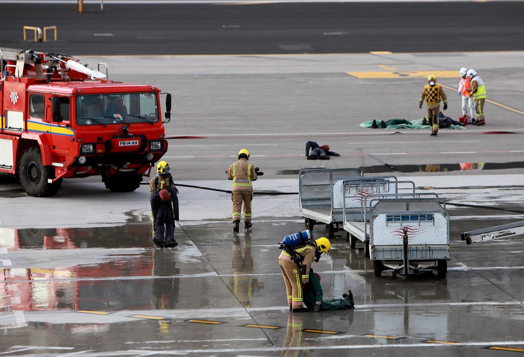 09-feb-2016-simulacro-de-incidente-en-el-aeropuerto-de-gibraltar_24797045652_o
