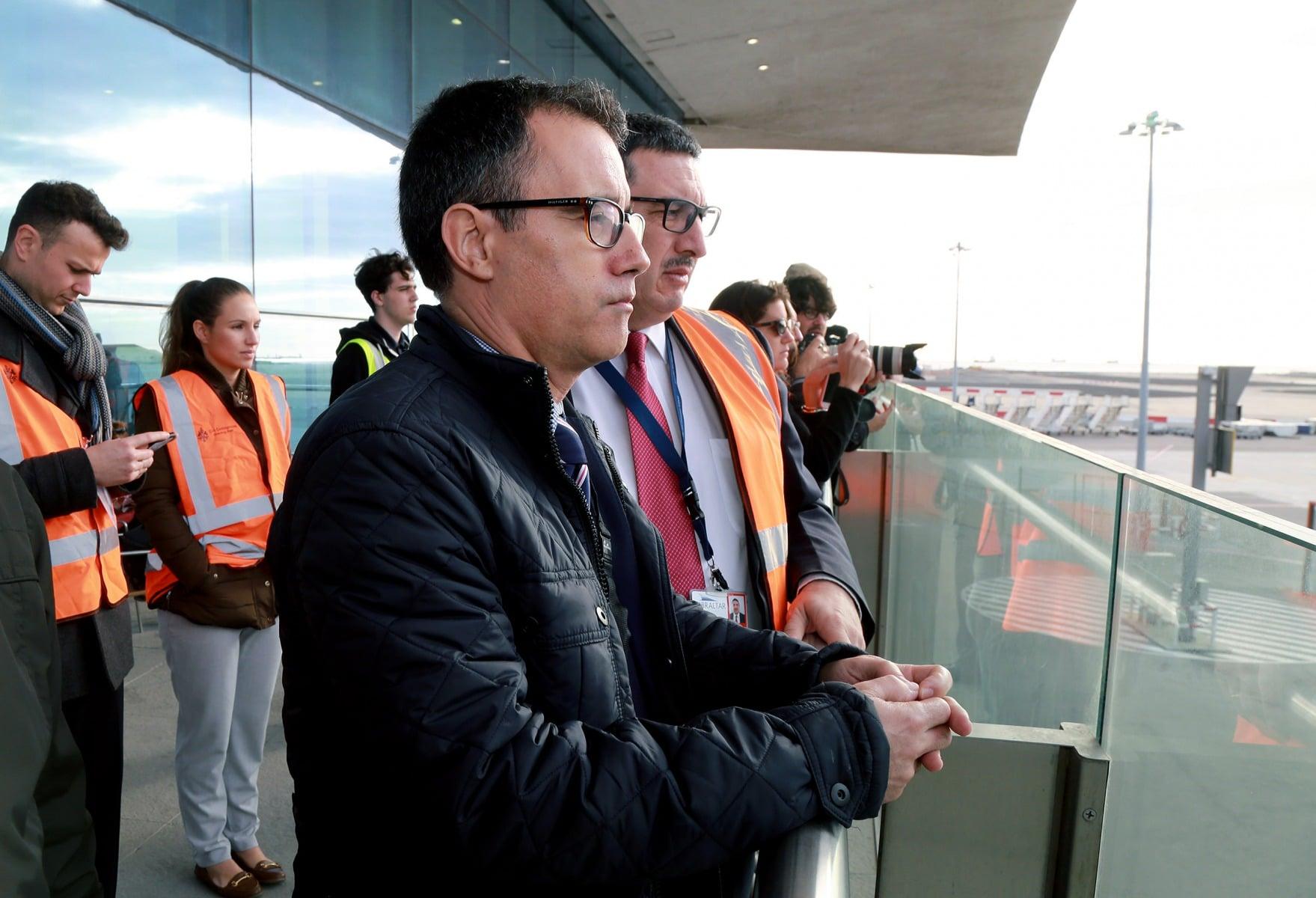 joseph-garca-viceministro-principal-de-gibraltar-el-9-feb-2016-durante-un-simulacro-de-incidente-en-el-aeropuerto-de-gibraltar_24914999045_o