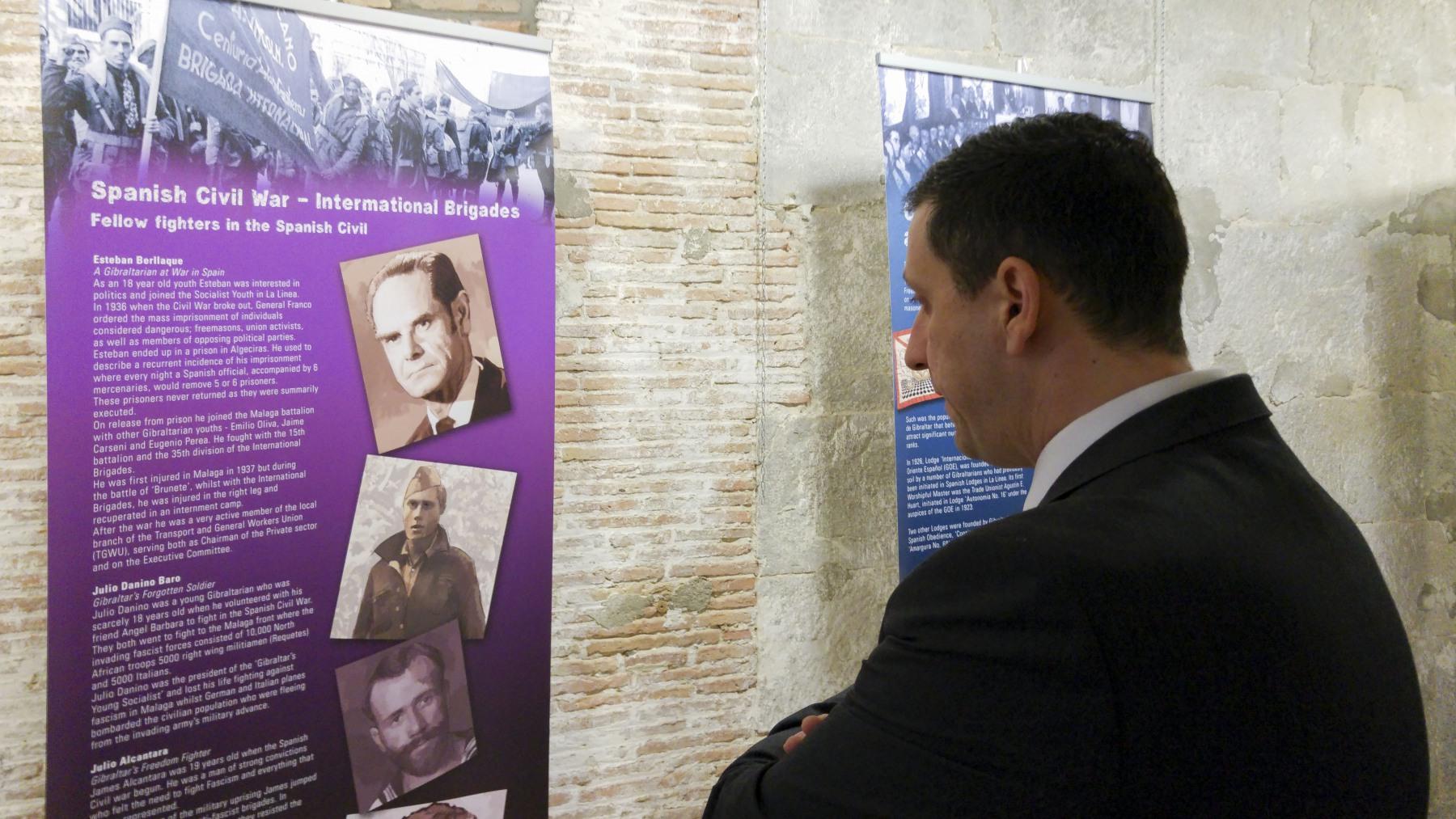 17-febrero-2015-exposicin-gibraltar-y-la-guerra-civil-espaola-5_24461821963_o