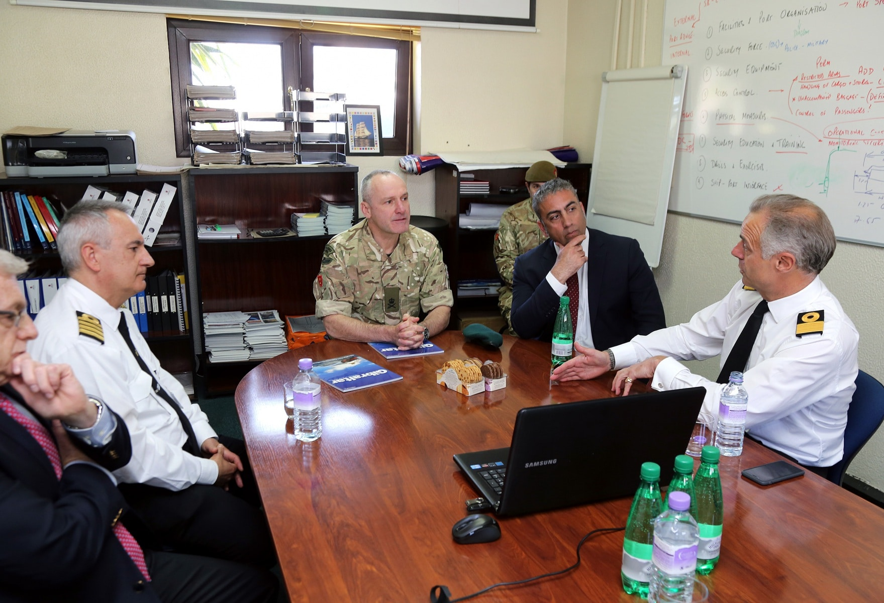 visita-oficial-del-gobernador-al-puerto-de-gibraltar_25551863733_o