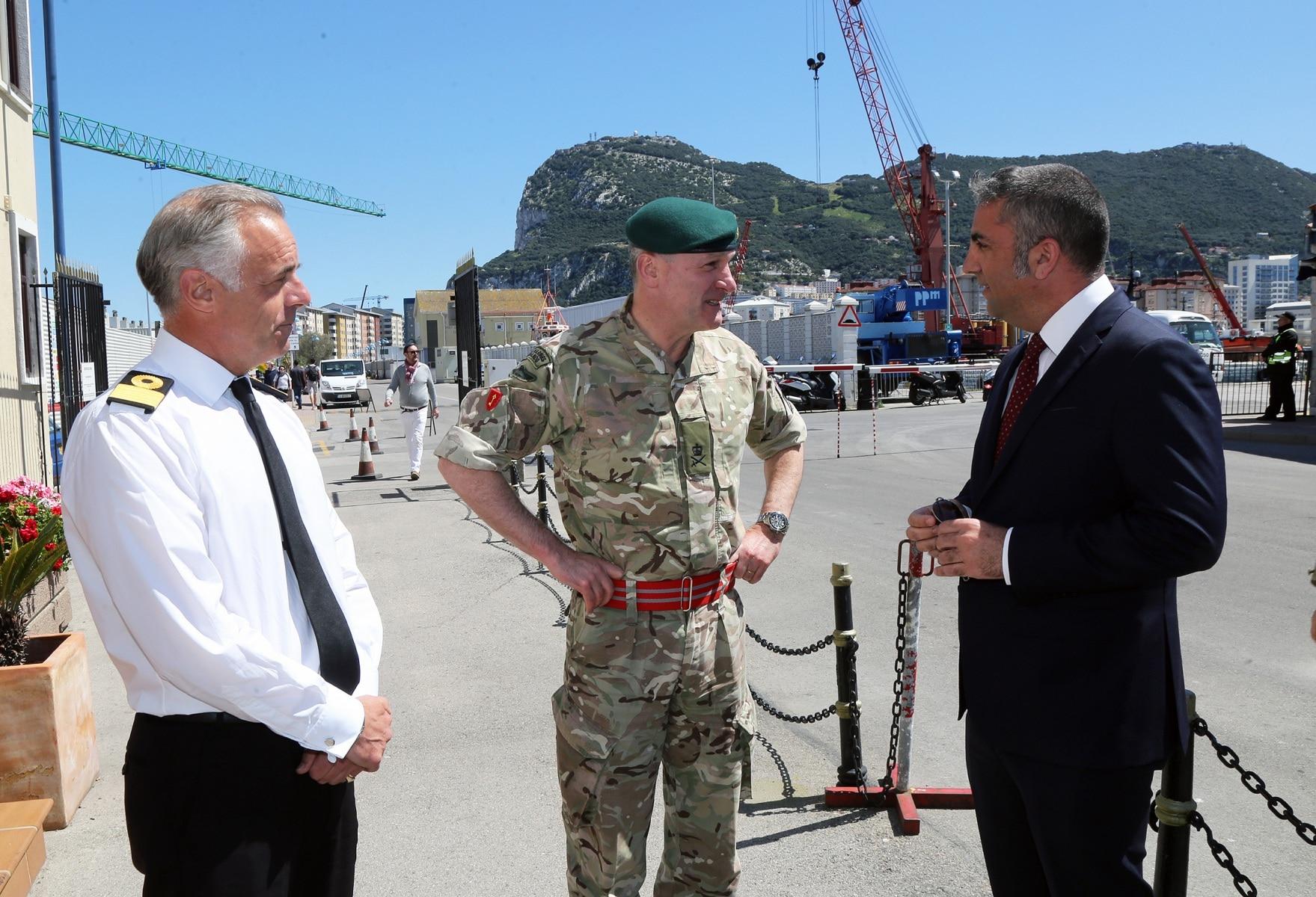 visita-oficial-del-gobernador-al-puerto-de-gibraltar_26062049432_o
