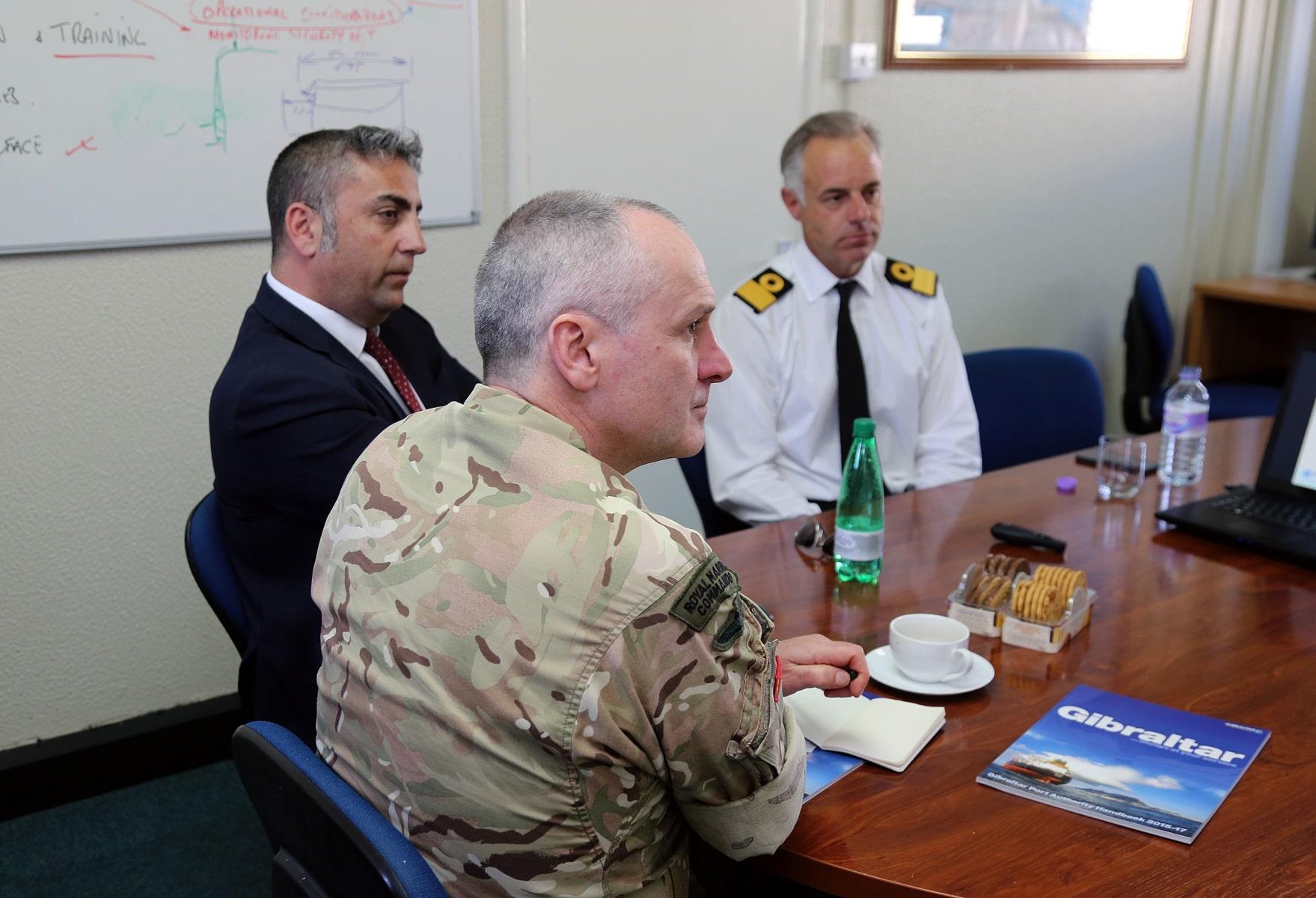 visita-oficial-del-gobernador-al-puerto-de-gibraltar_26062052982_o