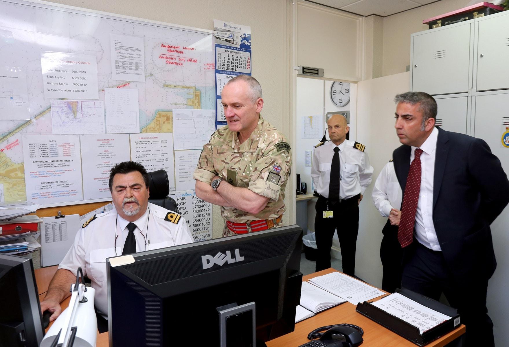 visita-oficial-del-gobernador-al-puerto-de-gibraltar_26128568356_o