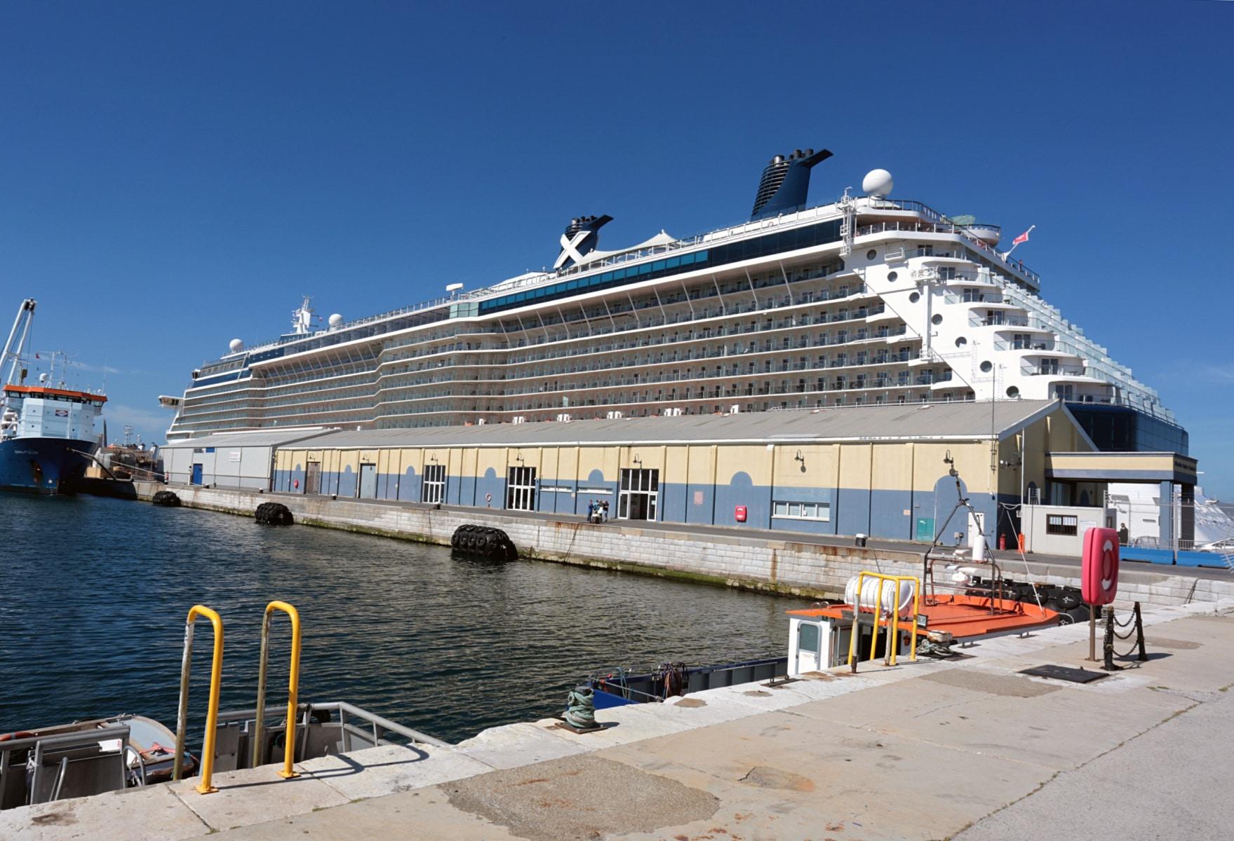Escala-inaugural-del-crucero-Ovation-of-the-Seas-18